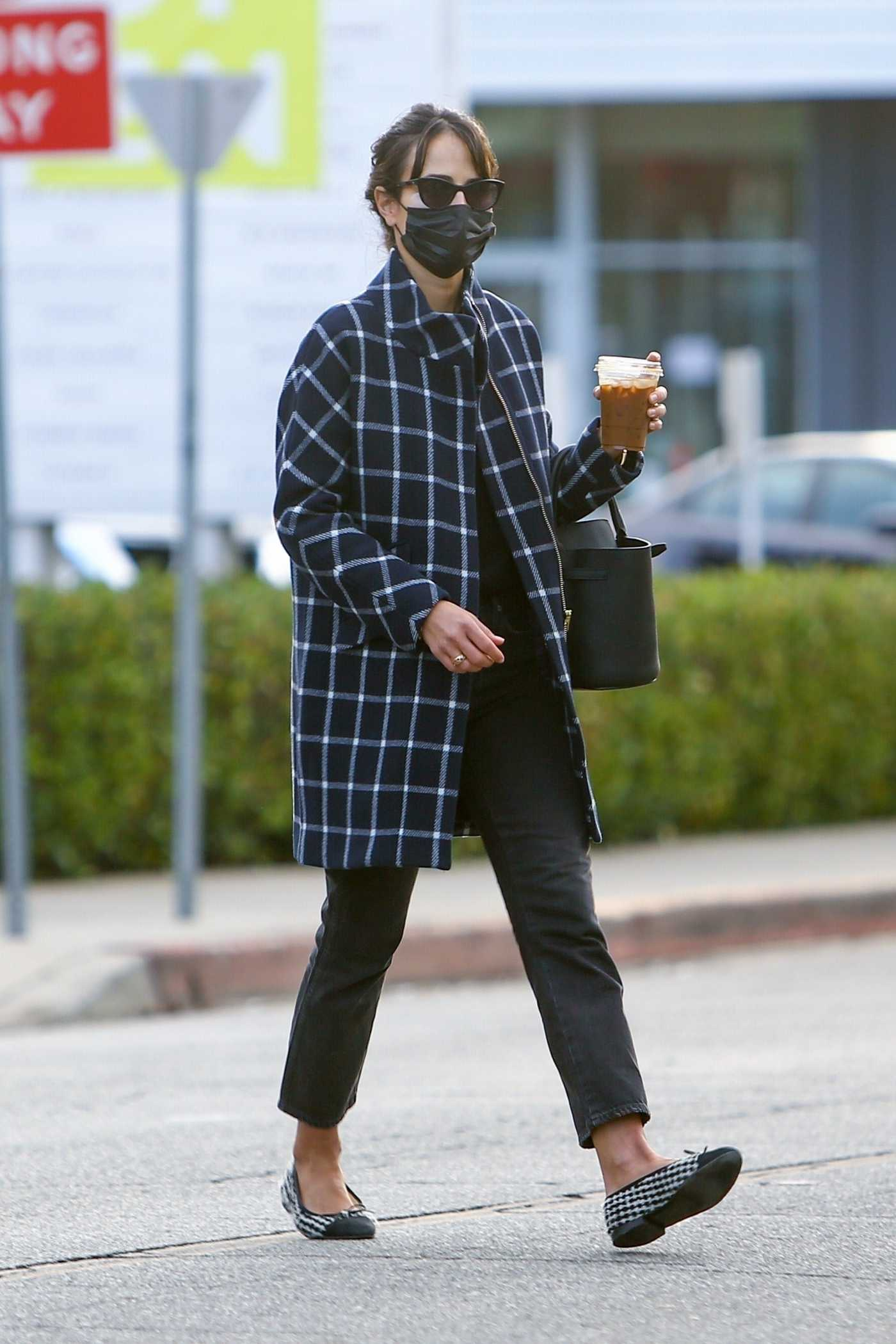 Jordana Brewster in a Blue Plaid Coat Was Seen Out in Brentwood 12/17/2020