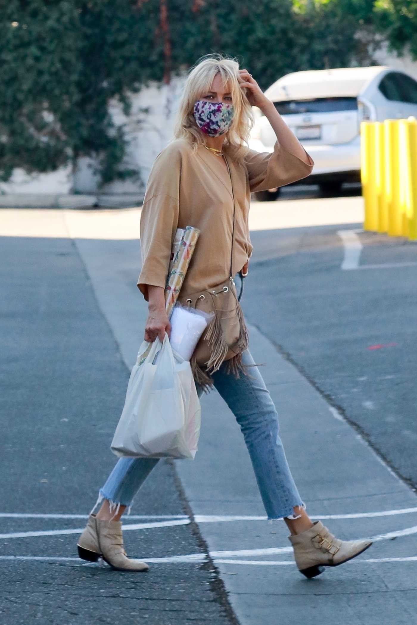 Malin Akerman in a Beige Blouse Was Seen Out in Los Feliz 12/01/2020