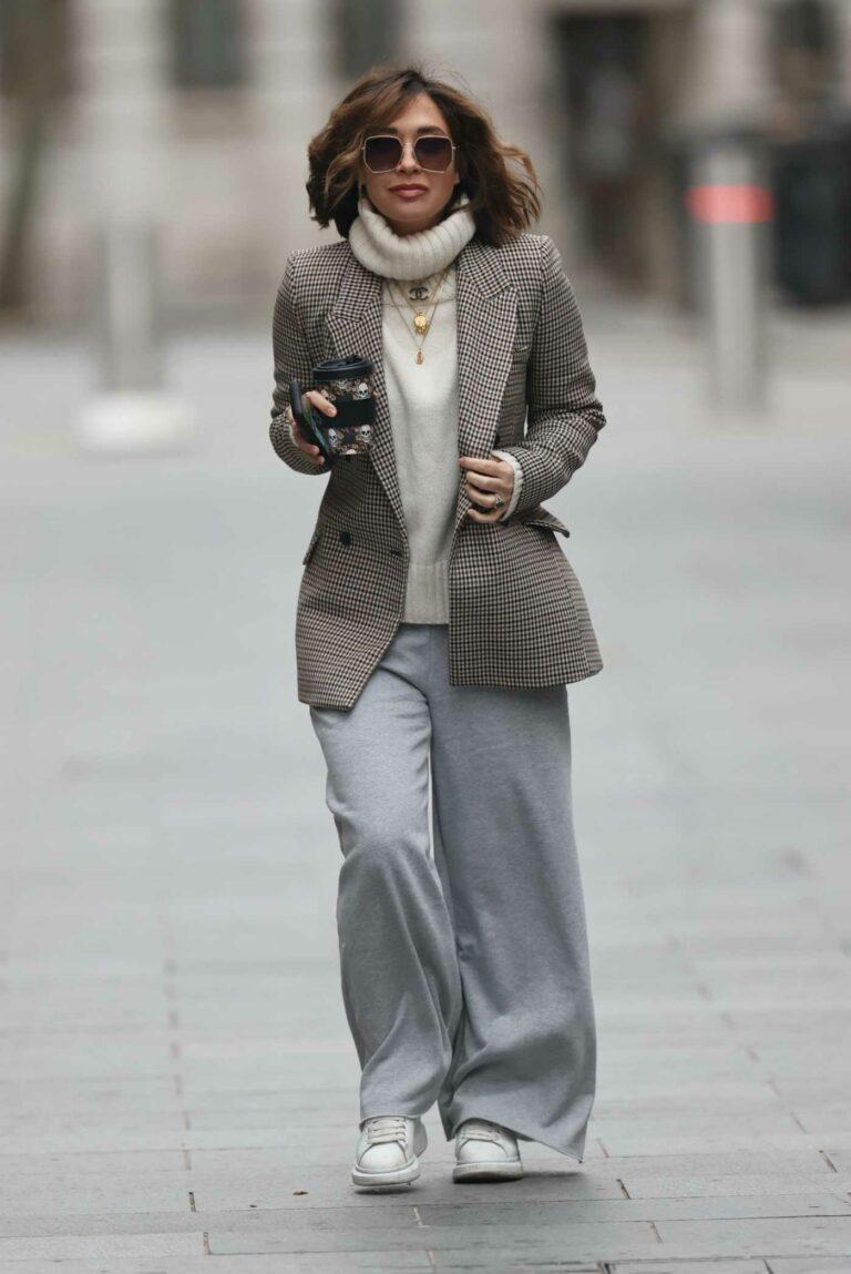 Myleene Klass in a Gray Flared Sweatpants
