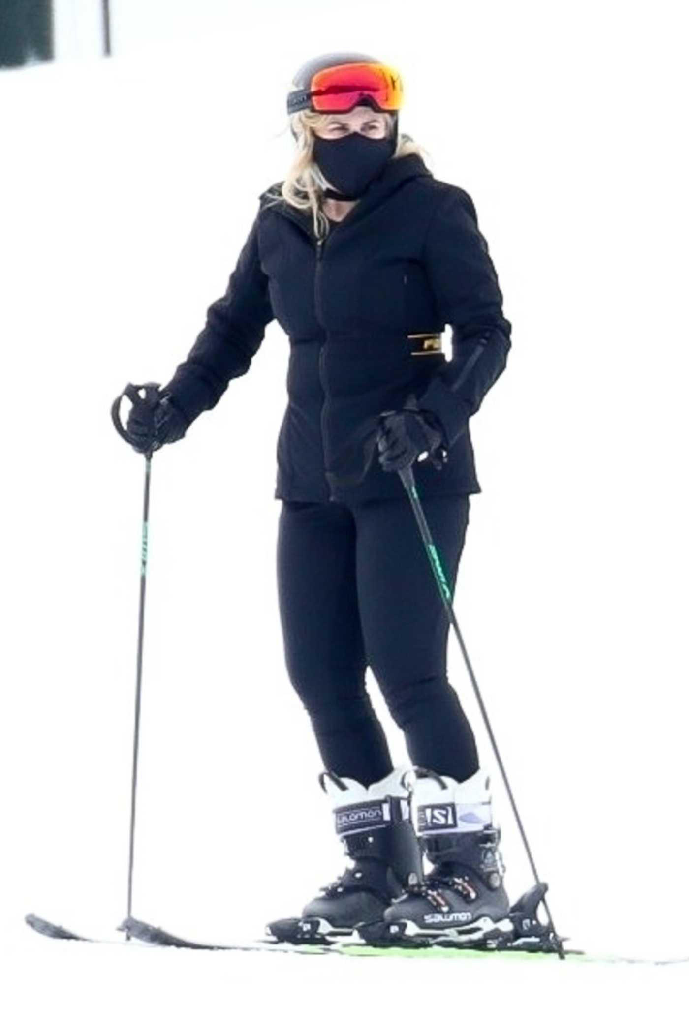 Rebel Wilson in a Black Outfit Goes Skiing in Aspen 12/20/2020