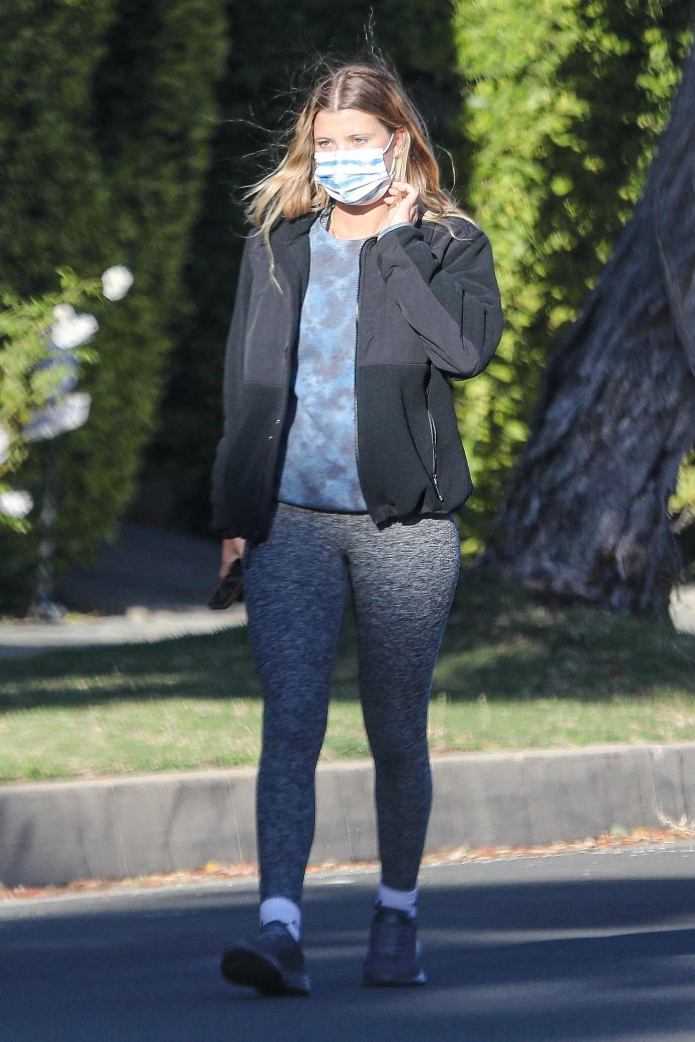Sofia Richie in a Grey Leggings Was Seen Out in Beverly Hills 12/14/2020
