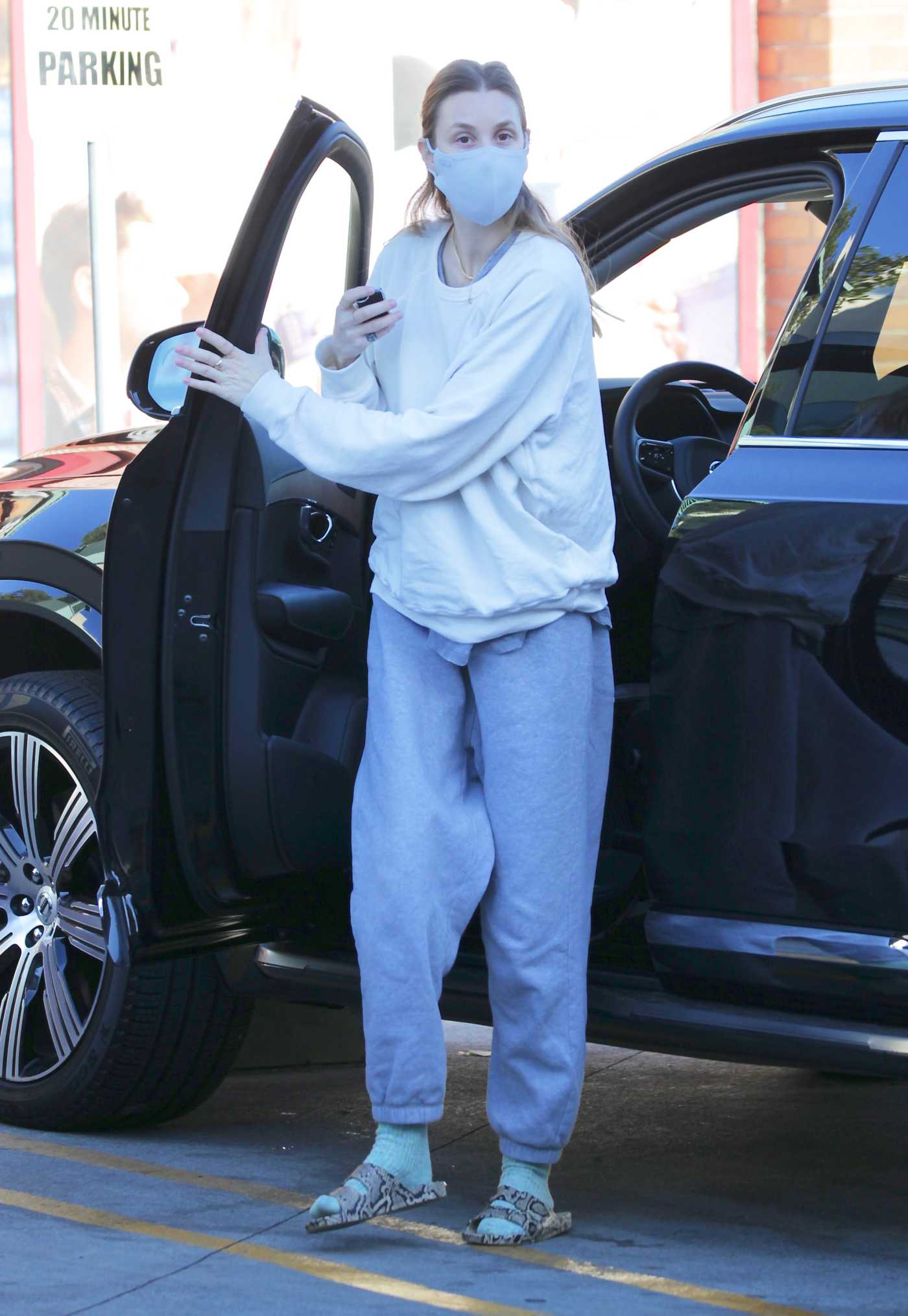 Whitney Port in a Protective Mask Was Seen Out in Los Angeles 11/29/2020