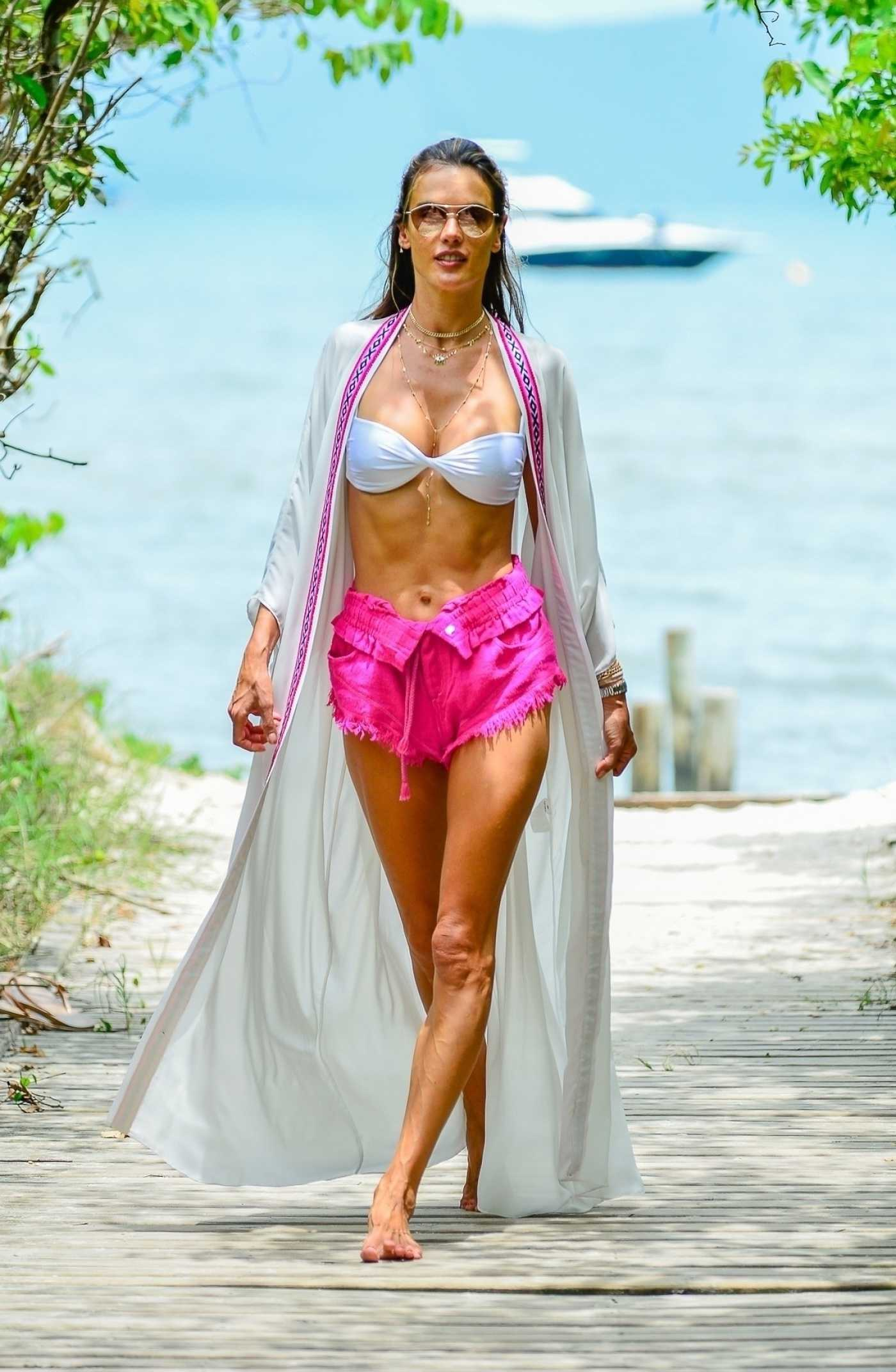 Alessandra Ambrosio in a White Bra Was Seen Out in Florianopolis 01/05/2021