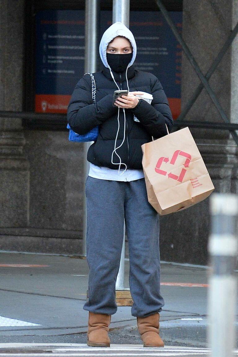 Lily-Rose Depp in a Grey Sweatpants