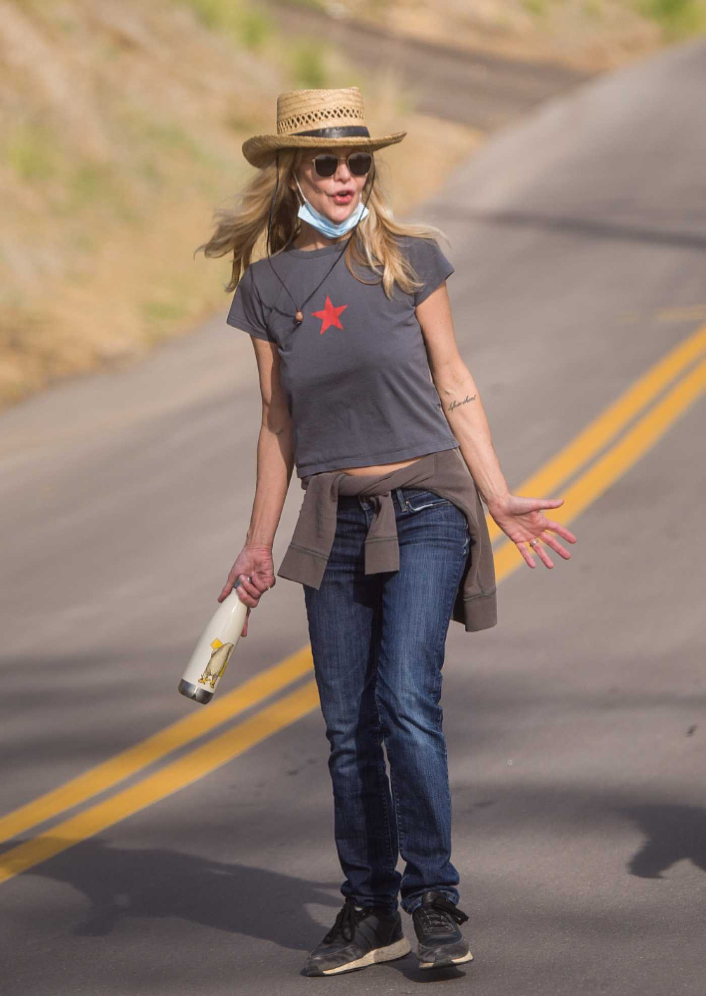 Meg Ryan in a Straw Hat Was Seen on an Afternoon Hike in Los Angeles 01/13/2021