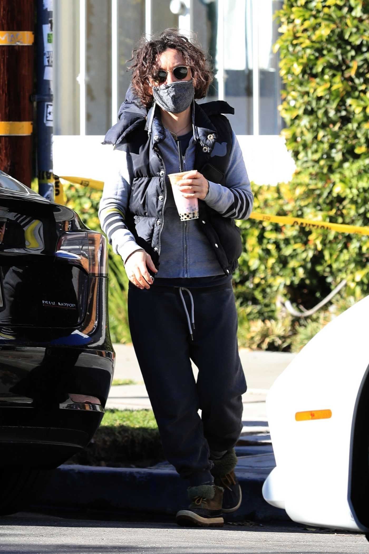 Sara Gilbert in a Black Sweatpants Steps Out to Get Herself a Boba Tea in West Hollywood 12/30/2020