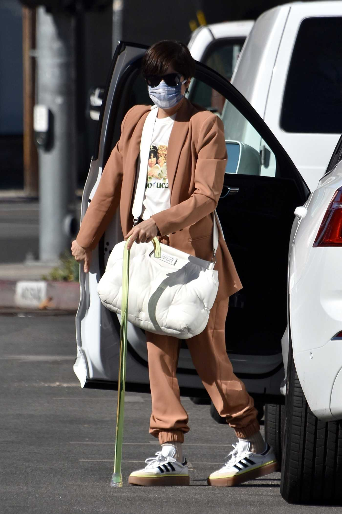 Selma Blair in a Tan Suit Was Seen Out in Studio City 01/24/2021