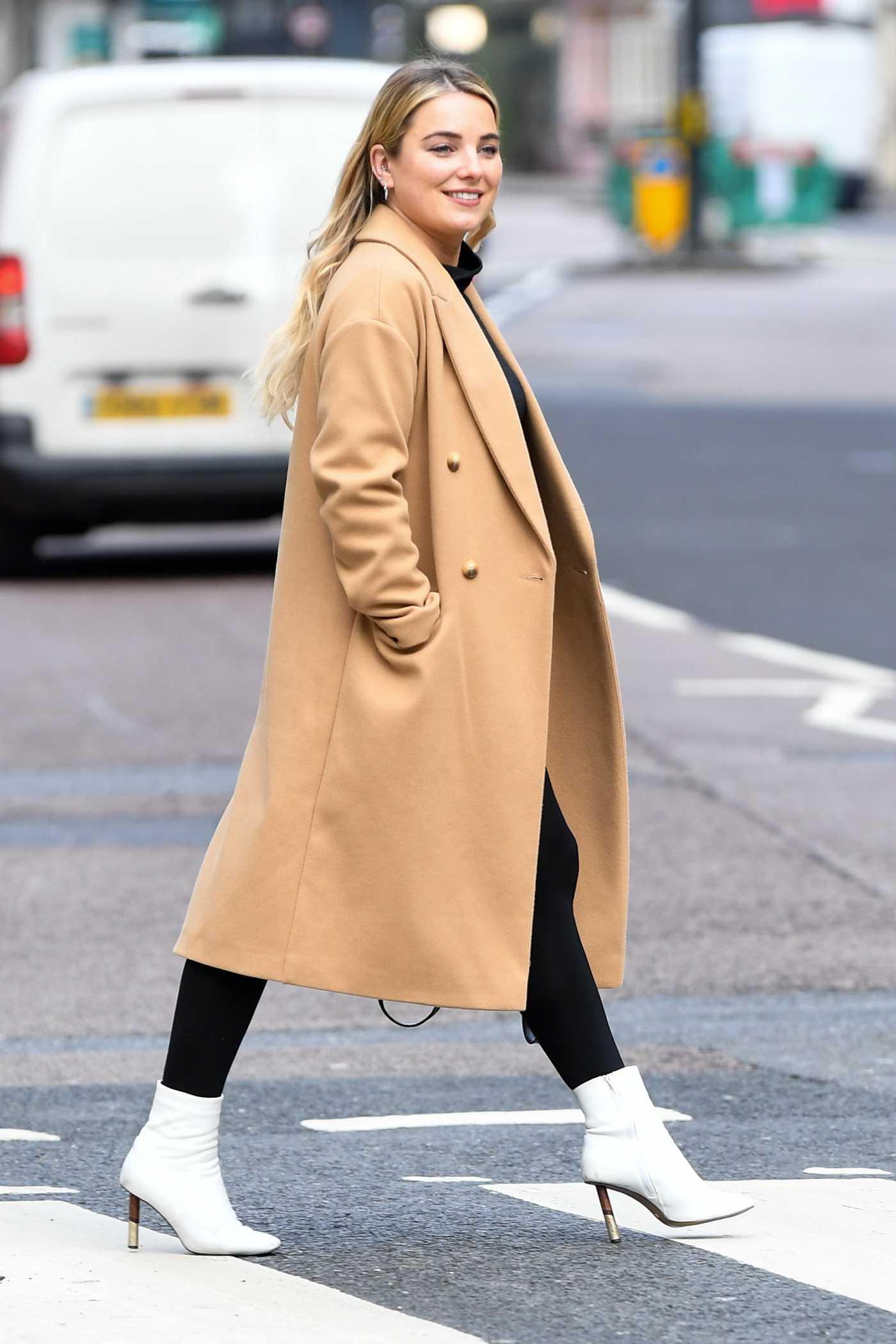 Sian Welby in a Beige Coat Leaves the Global Studios in London 01/15/2021
