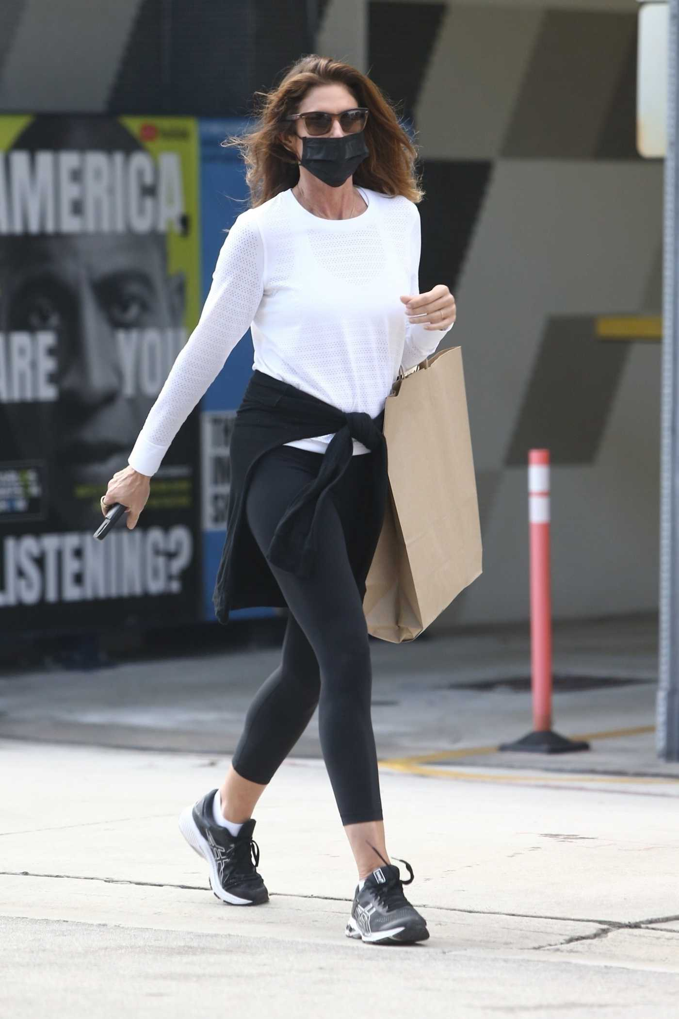 Cindy Crawford in a Black Leggings Was Seen Out in Miami 02/20/2021