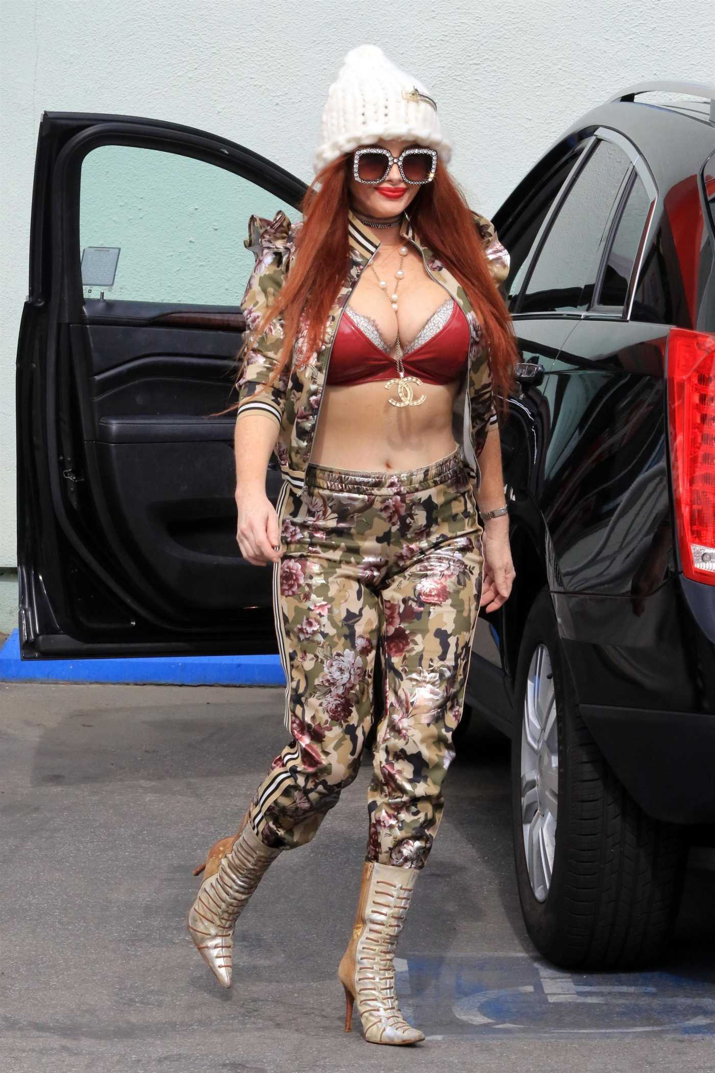 Phoebe Price in a Camo Tracksuit Goes Shopping at Petco in Los Angeles 02/10/2021