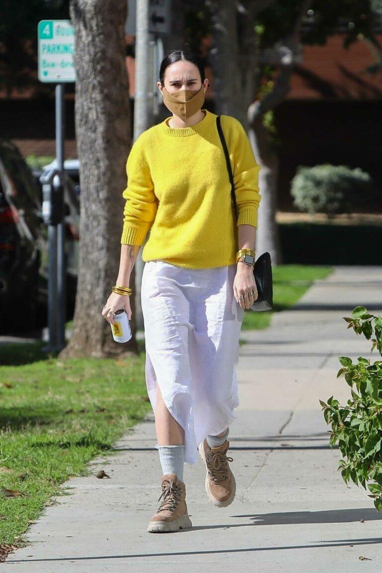 Rumer Willis in a Yellow Sweatshirt