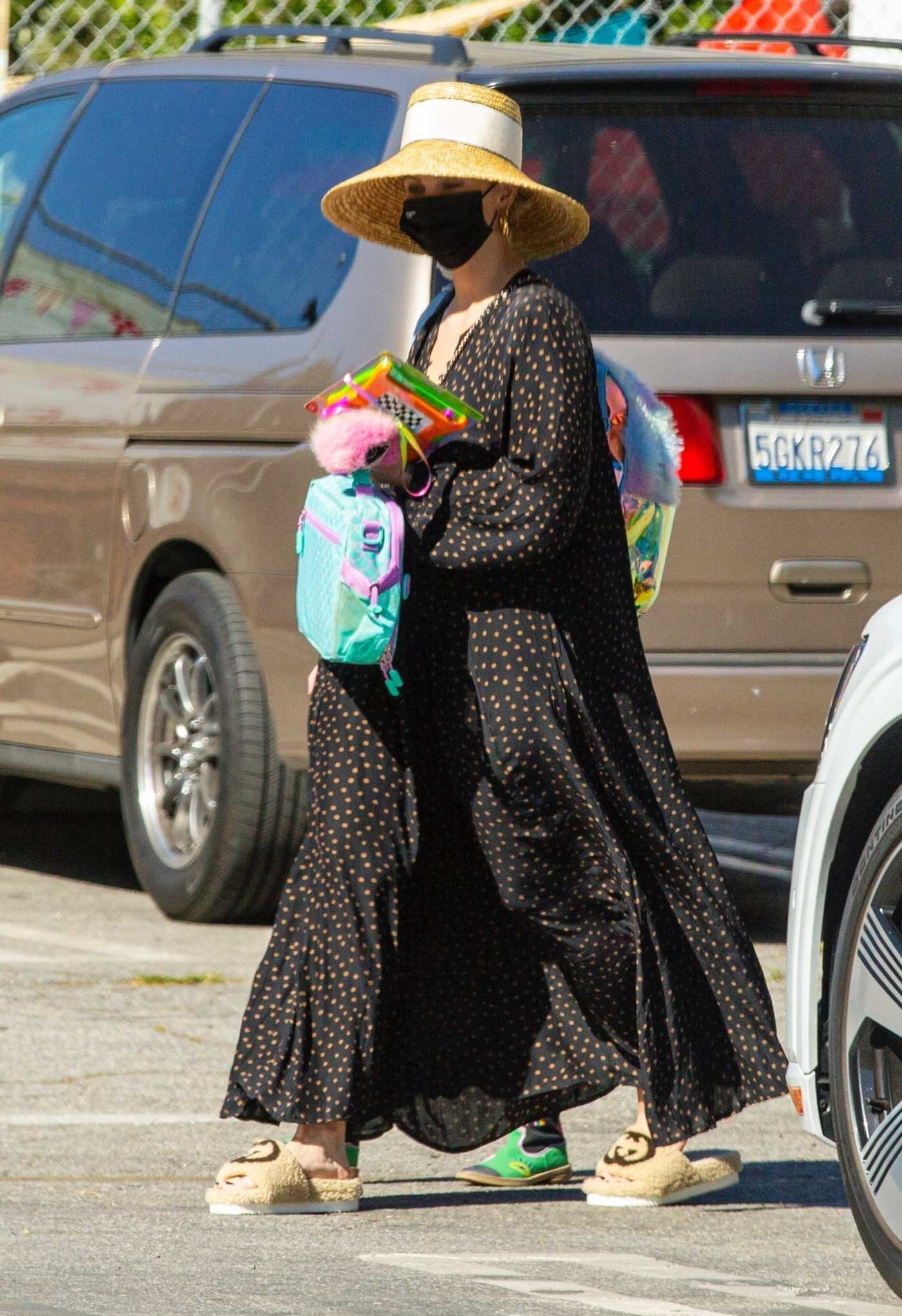 Ashlee Simpson in a Black Polka Dot Dress Was Seen Out with Her Daughter in Los Angeles 03/01/2021