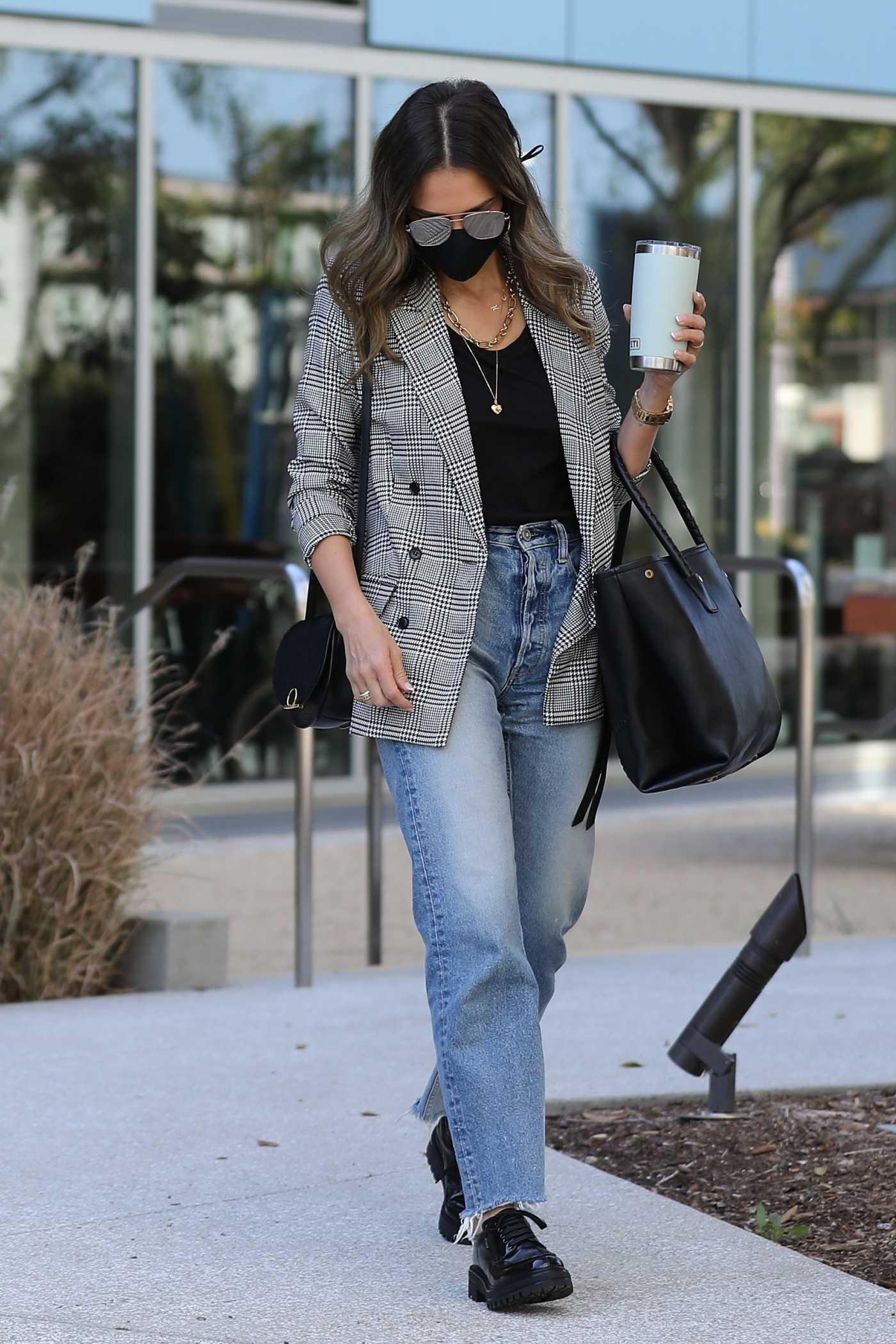 Jessica Alba in a Grey Blazer Arrives at the Honest Headquarters in Playa Vista 03/02/2021