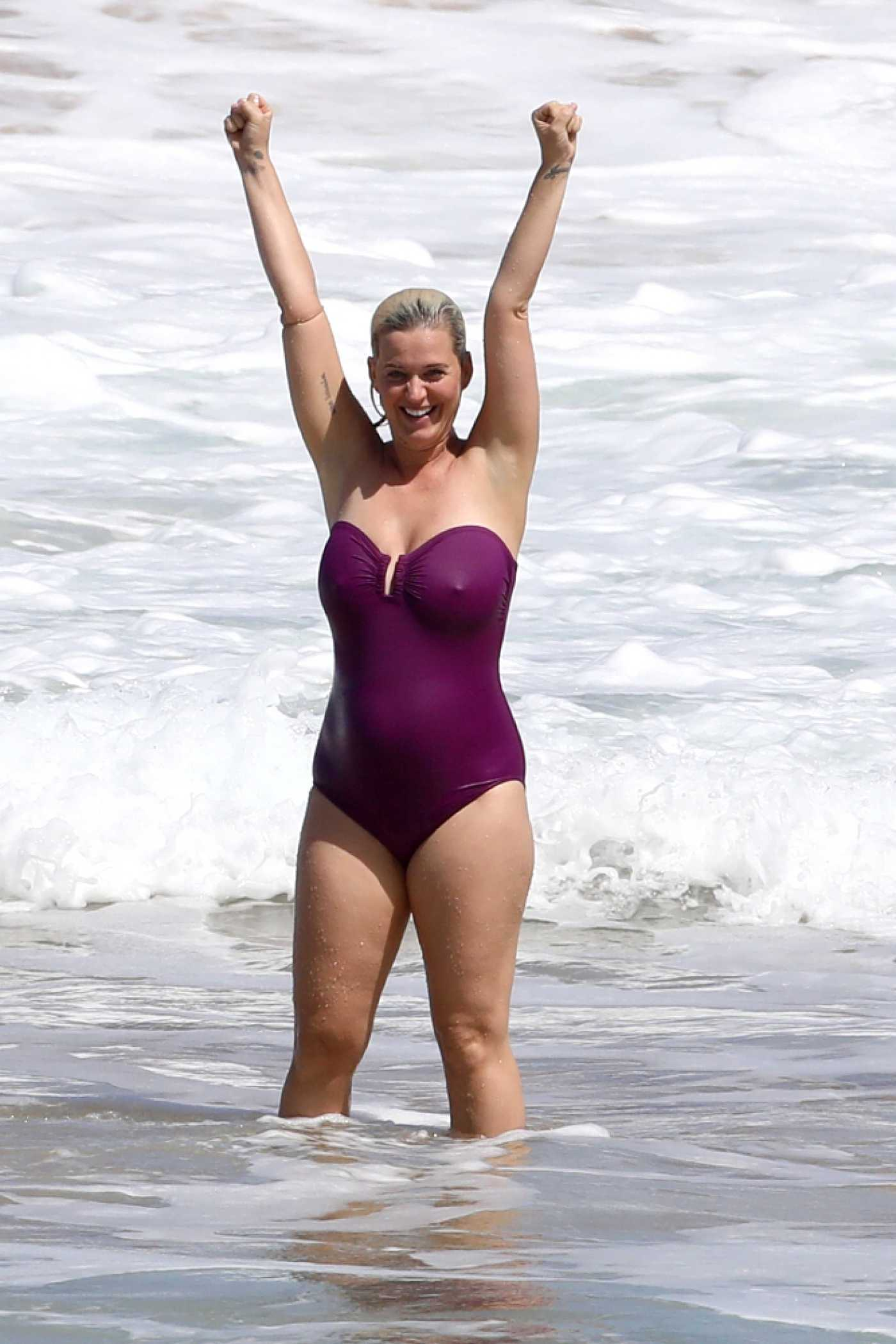 Katy Perry in a Purple Swimsuit on the Beach in Hawaii 03/03/2021
