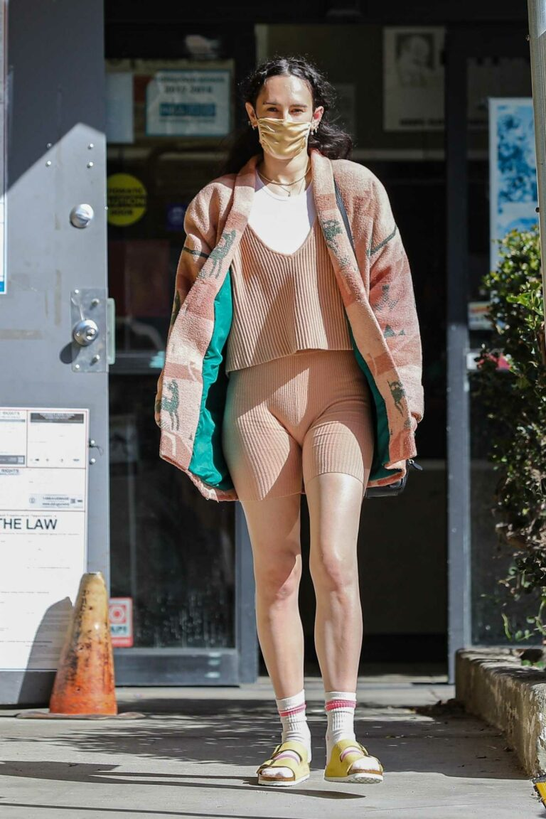 Rumer Willis in a Bright Nude Colored Gym Outfit