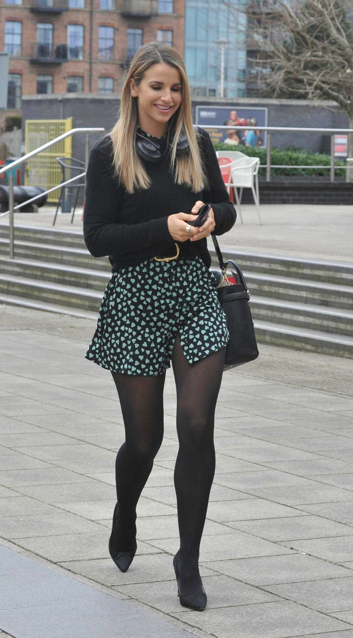 Vogue Williams in a Black Sweater Arrives at Steph's Pack Lunch in Leeds 03/17/2021