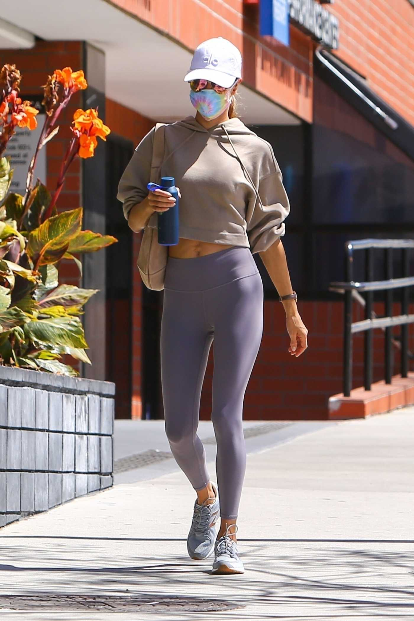 Alessandra Ambrosio in a White Cap Arrives at Her Morning Pilates Class in Los Angeles 04/28/2021