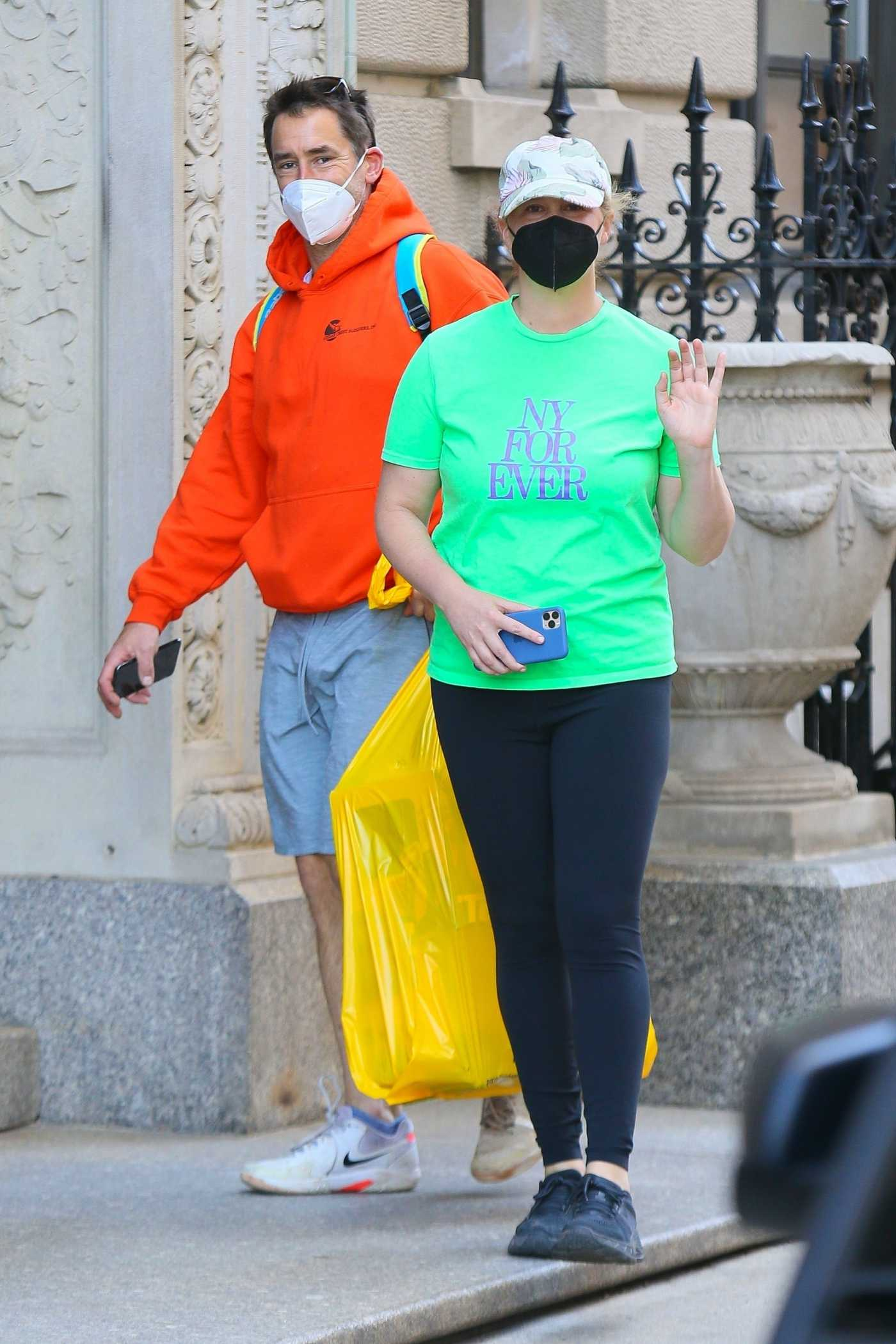 Amy Schumer in a Neon Green Tee Was Seen Out with Chris Fischer in New York 04/05/2021