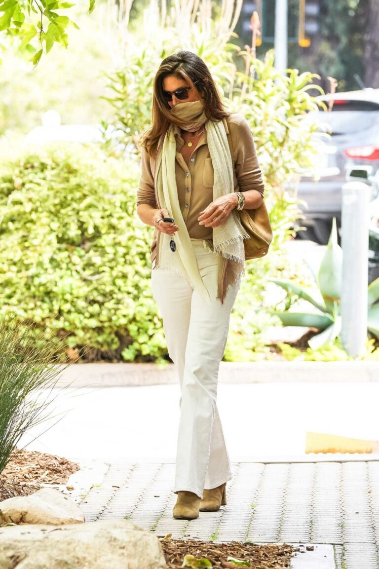 Cindy Crawford in a White Jeans