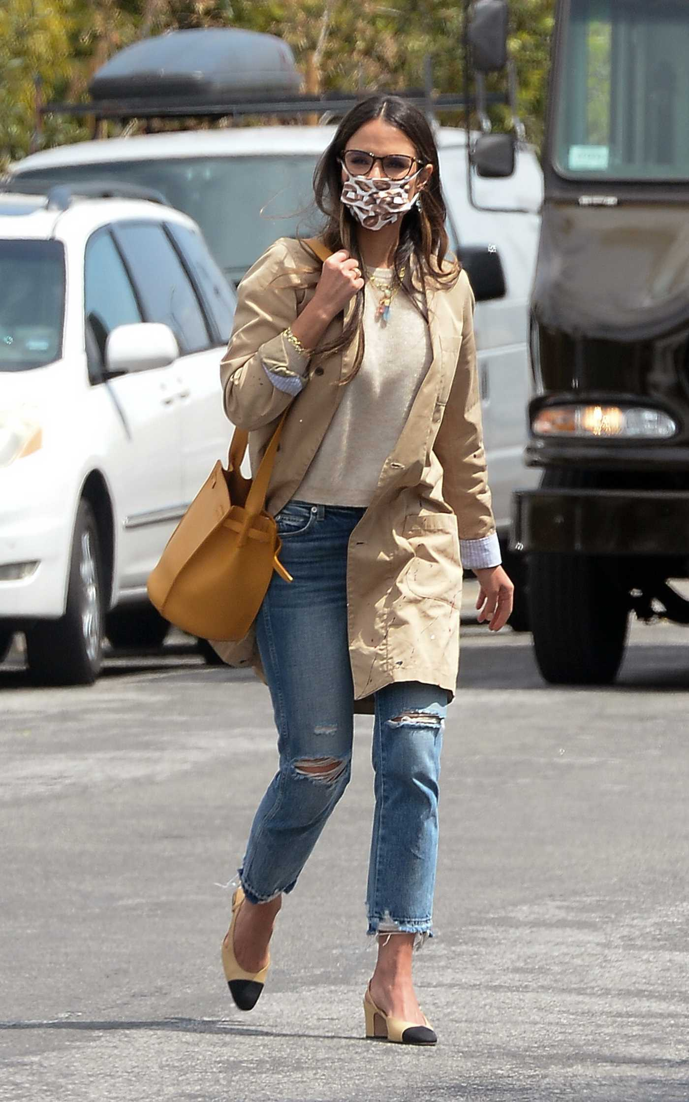 Jordana Brewster in a Beige Trench Coat Goes Shopping at Trader Joe's in Los Angeles 04/21/2021