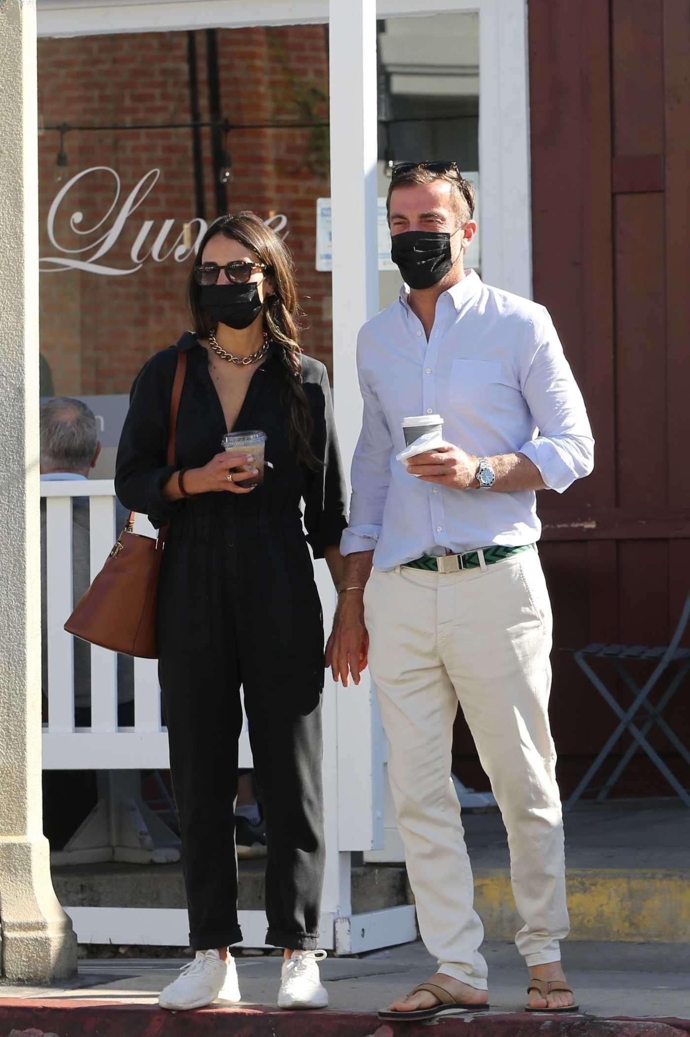 Jordana Brewster in a Black Outfit Grabs Coffee at Cafe Luxe with Her Boyfriend in Brentwood 04/28/2021
