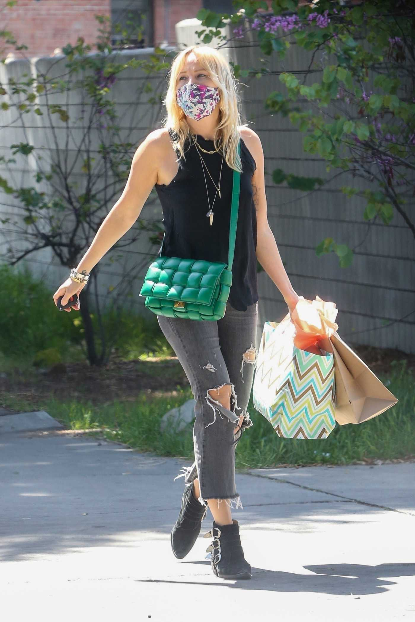 Malin Akerman in a Black Ripped Jeans Was Seen Out in Los Feliz 04/04/2021
