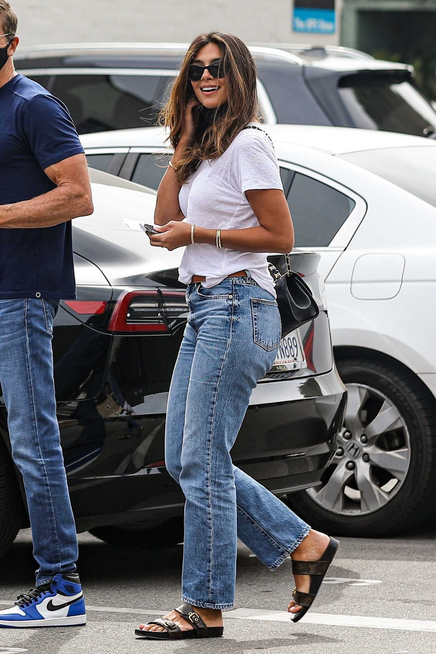 Pia Miller in a White Tee Shops for Jewelry in Beverly Hills 04/07/2021