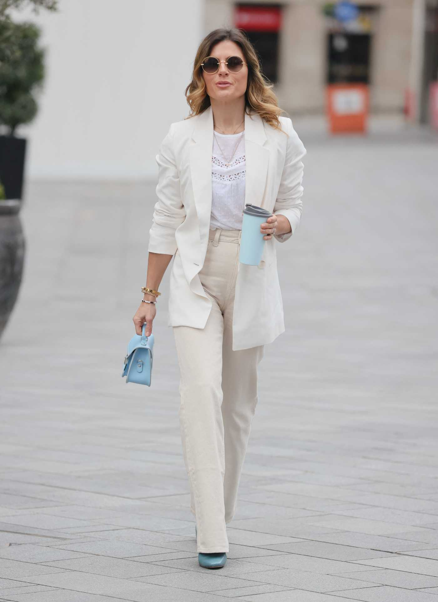 Zoe Hardman in a White Blazer Was Seen Out in London 04/04/2021