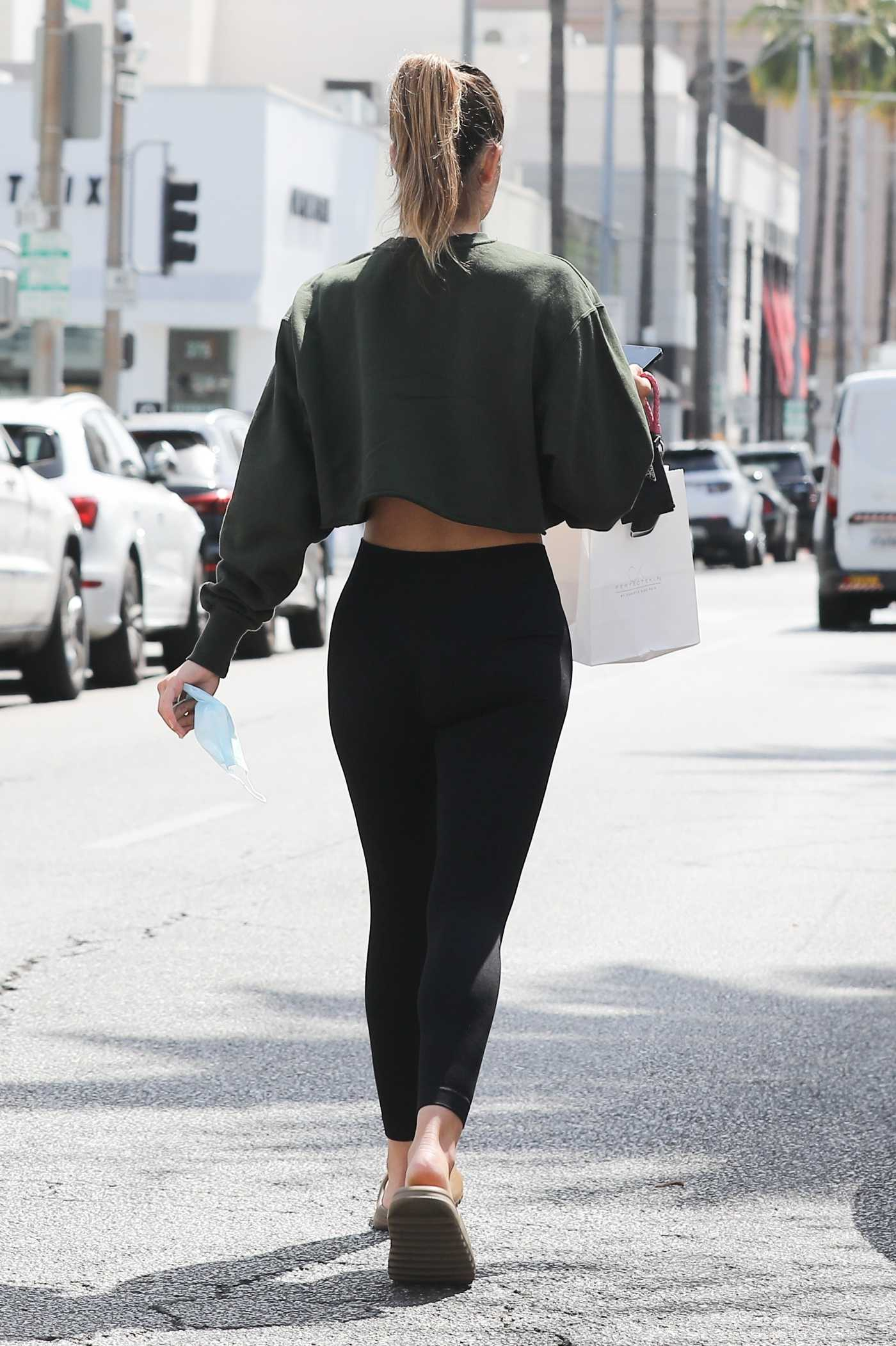 Amelia Hamlin in a Black Leggings Leaves a Pilates Class in Beverly Hills 05/12/2021