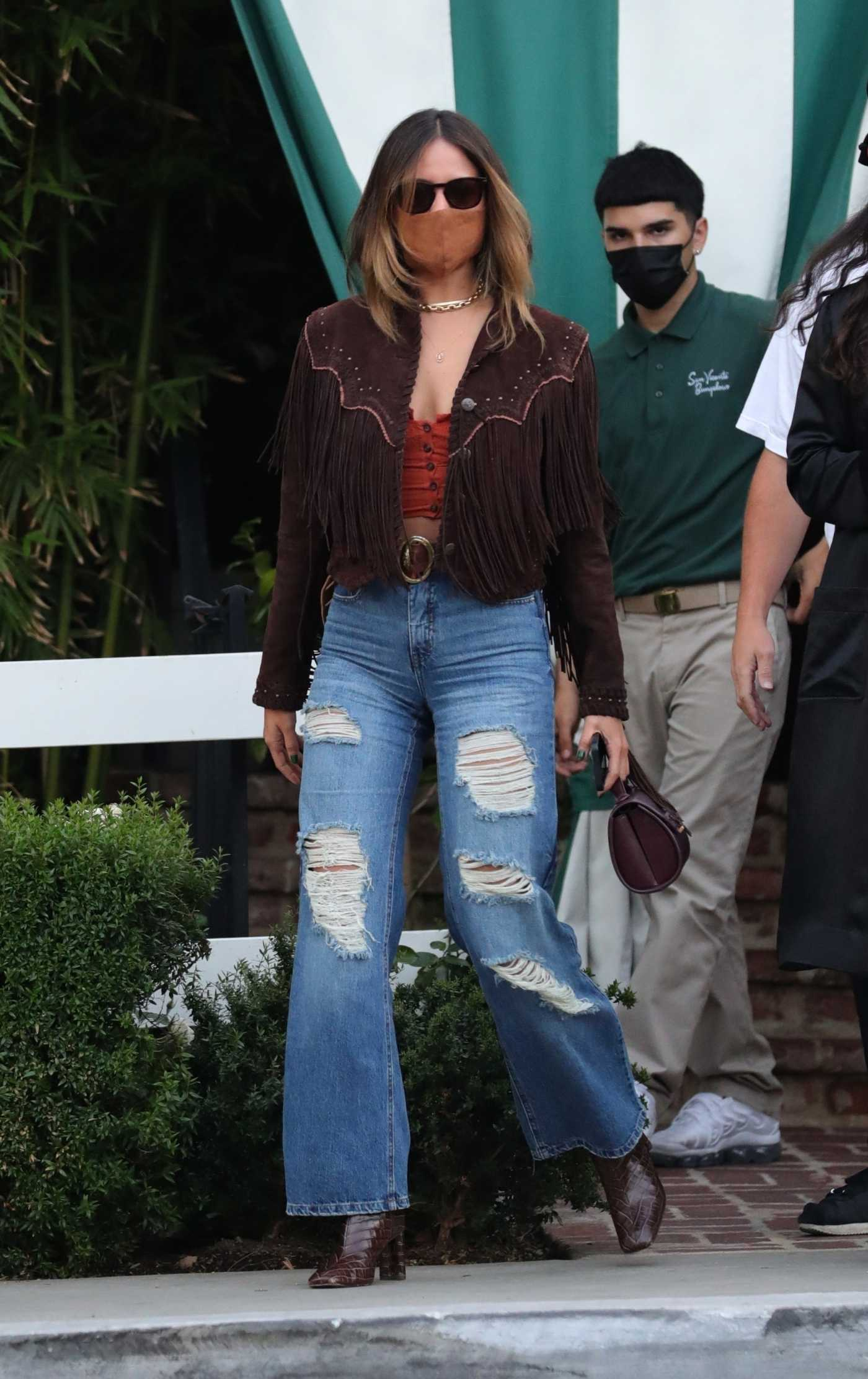 Eiza Gonzalez in a Blue Ripped Jeans Grabs Dinner with Friends at the San Vicente Bungalows in West Hollywood 05/01/2021