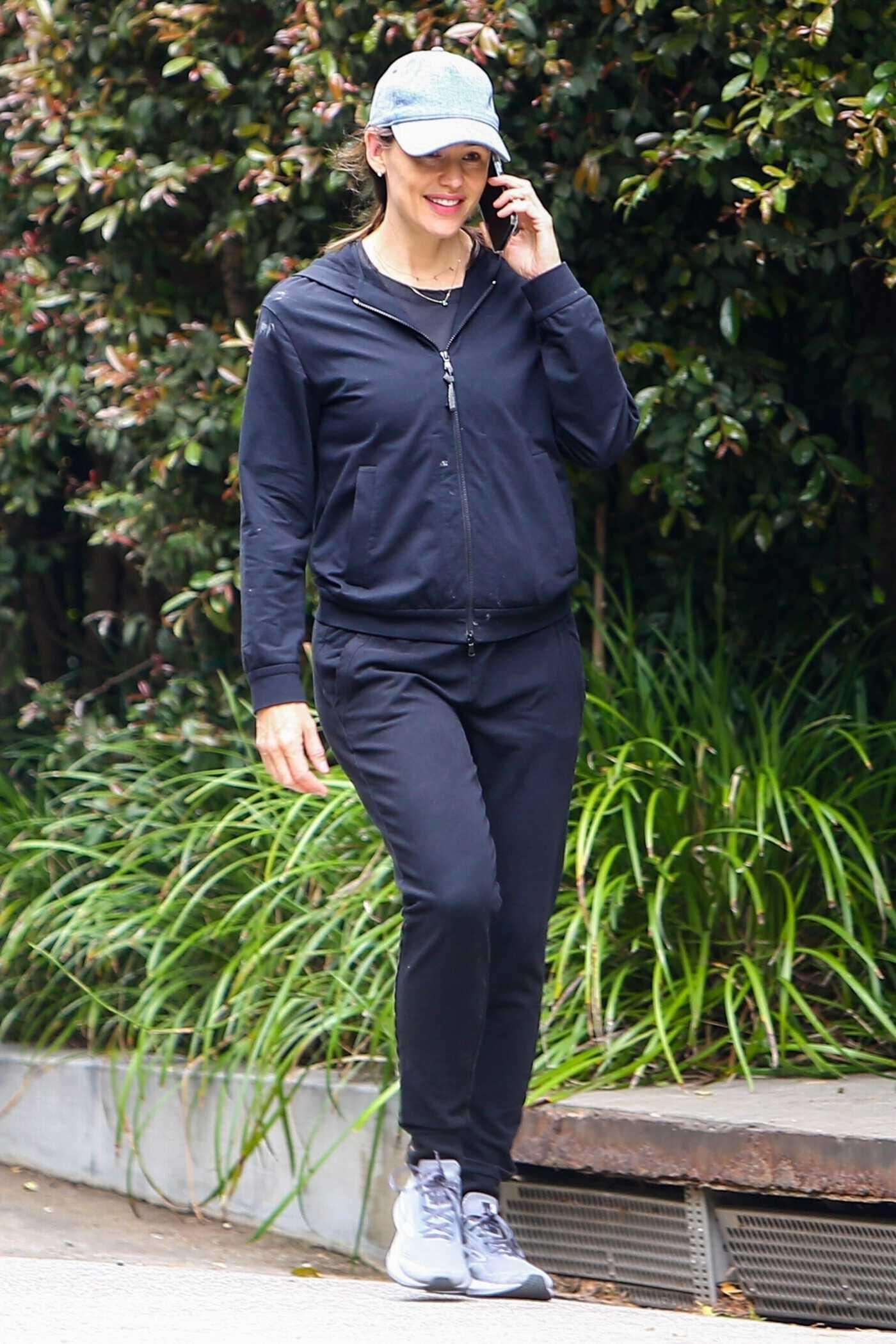 Jennifer Garner in a Black Tracksuit Goes on a Morning Walk Out in Brentwood 05/15/2021