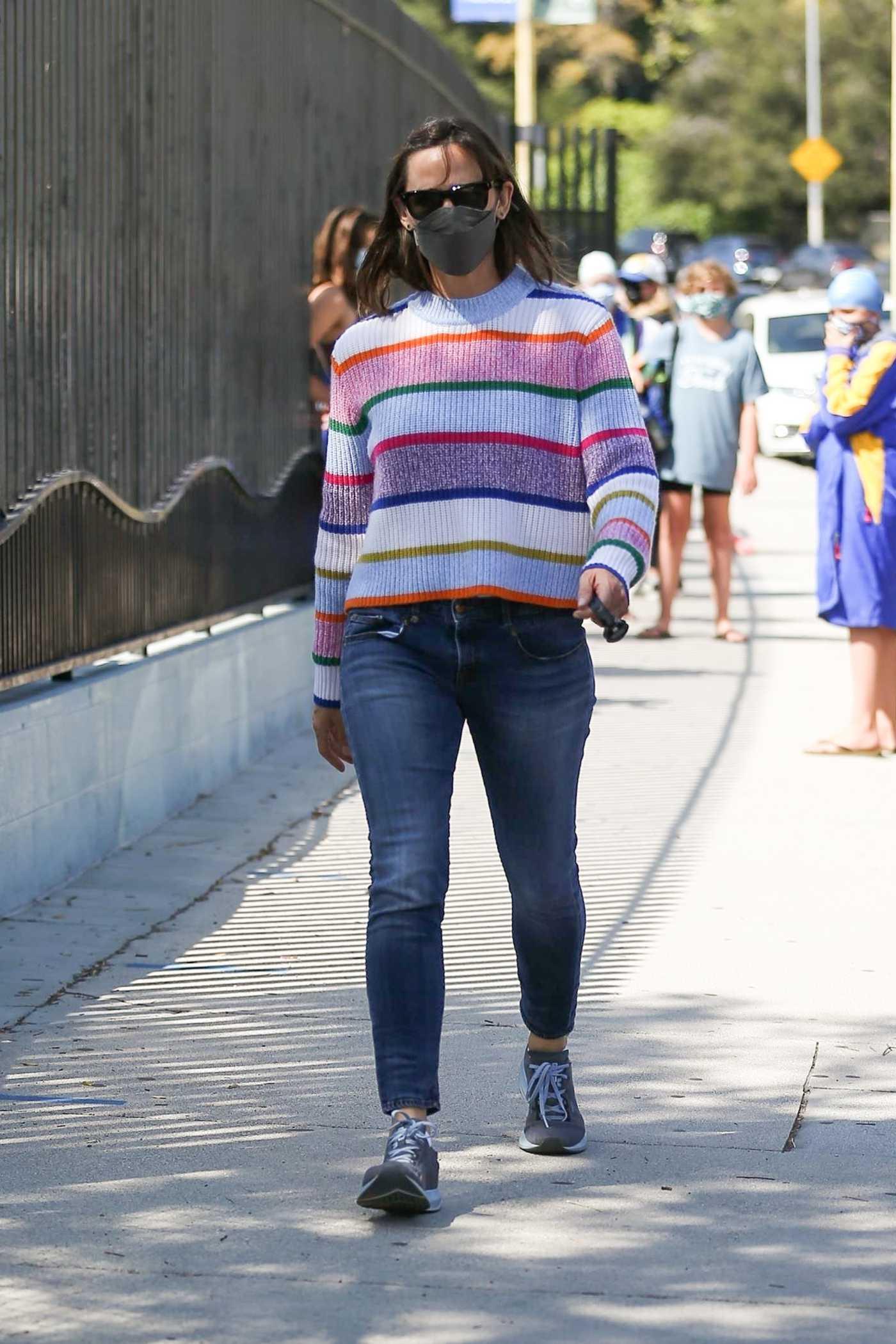 Jennifer Garner in a Striped Sweater Was Seen Out in Brentwood 05/28/2021