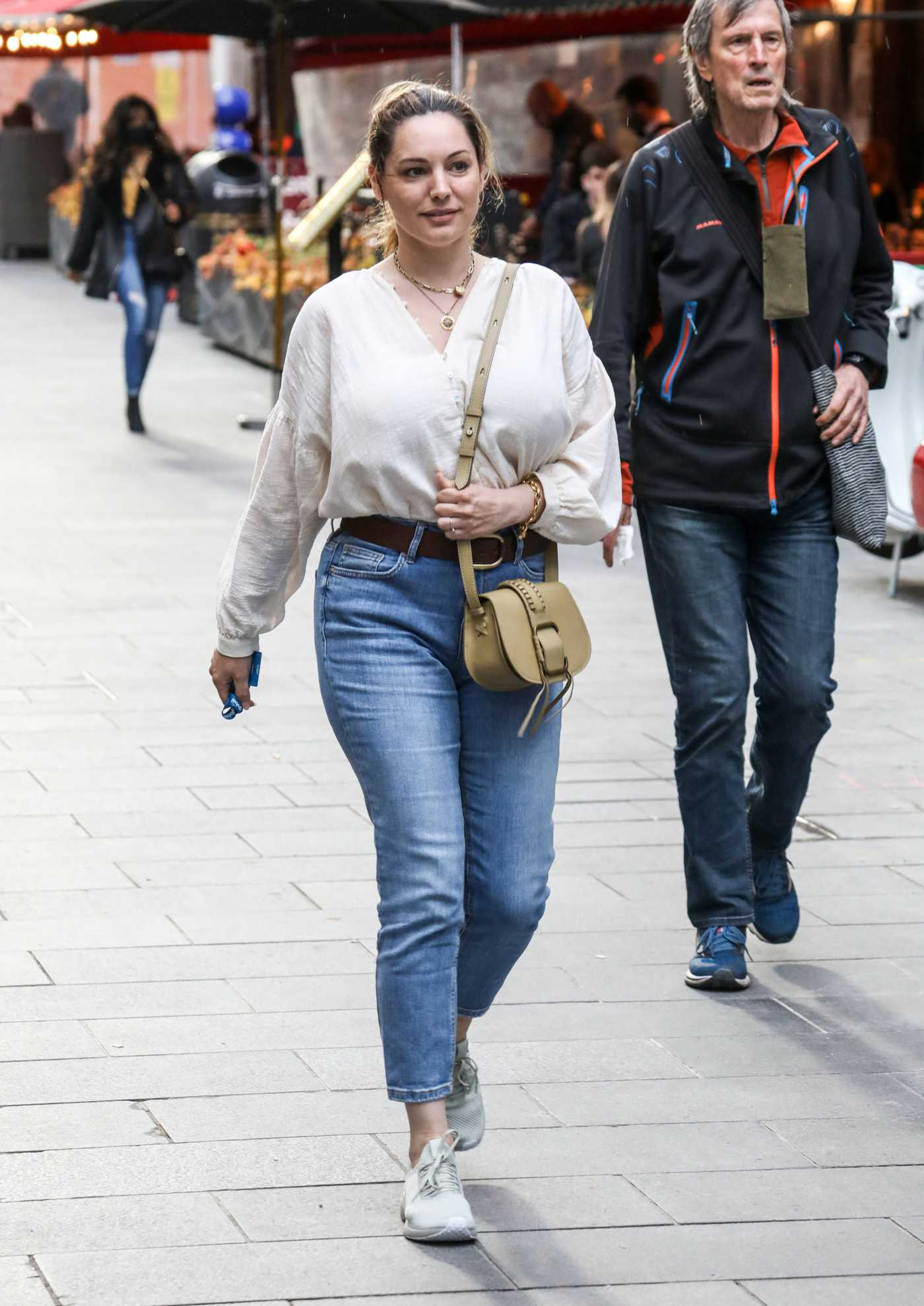 Kelly Brook in a White Blouse Arrives at the Global Radio Studios in London 05/19/2021
