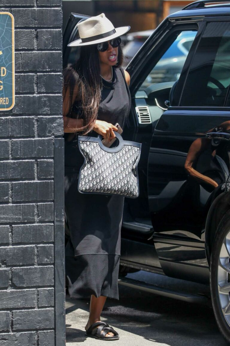 Kelly Rowland in a White Hat