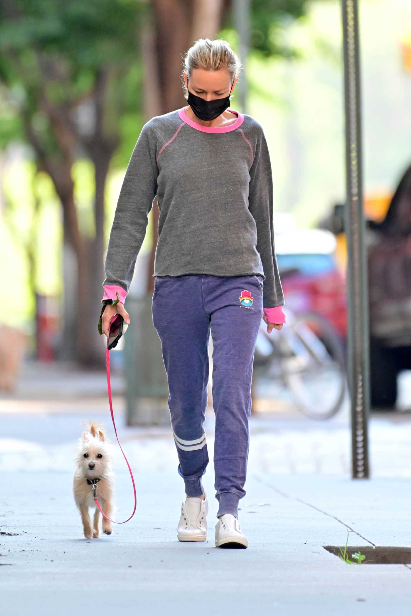 Naomi Watts in a Whie Sneakers Walks Her Dog in New York 05/19/2021
