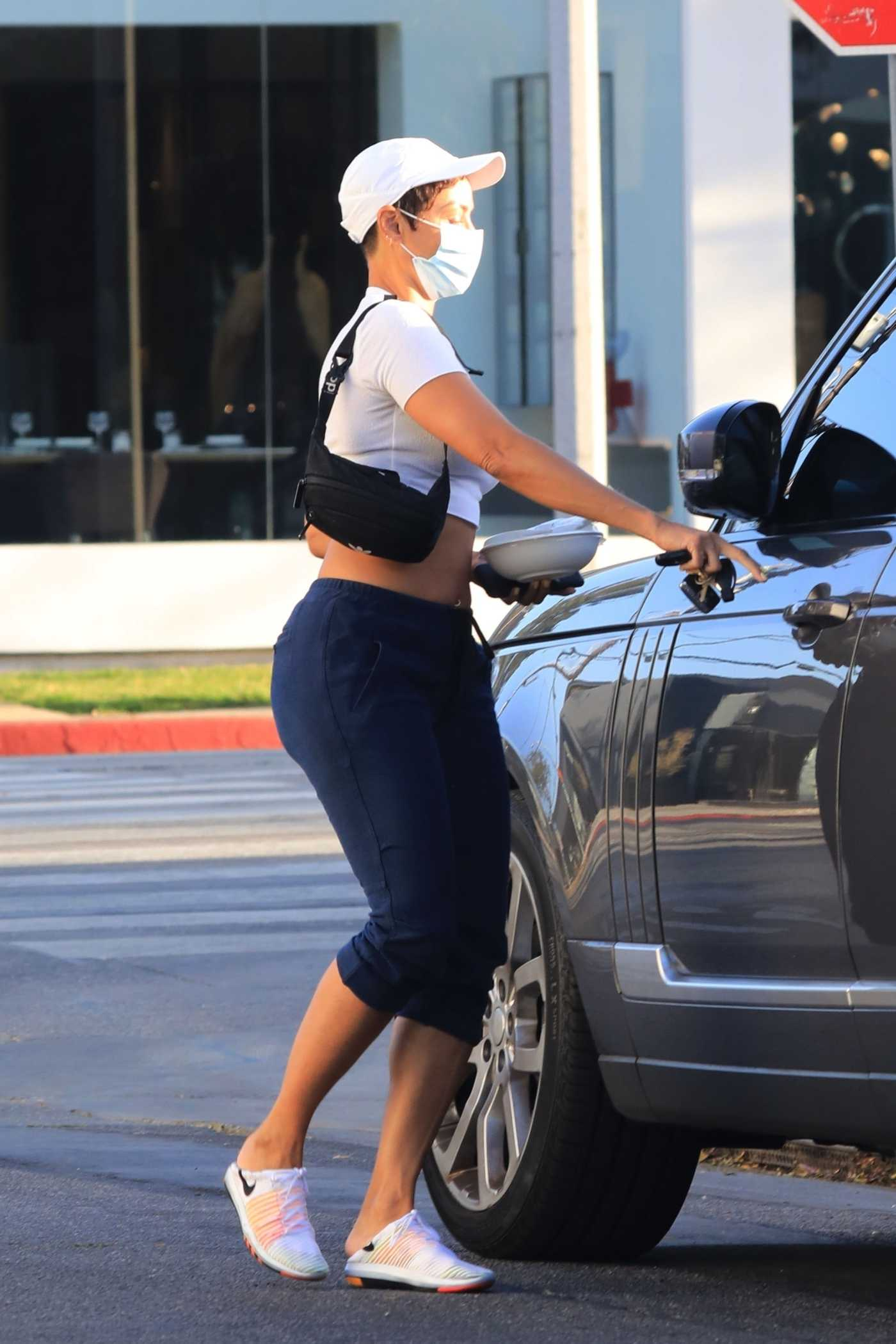 Nicole Murphy in a White Cap Was Seen Out in West Hollywood 05/27/2021