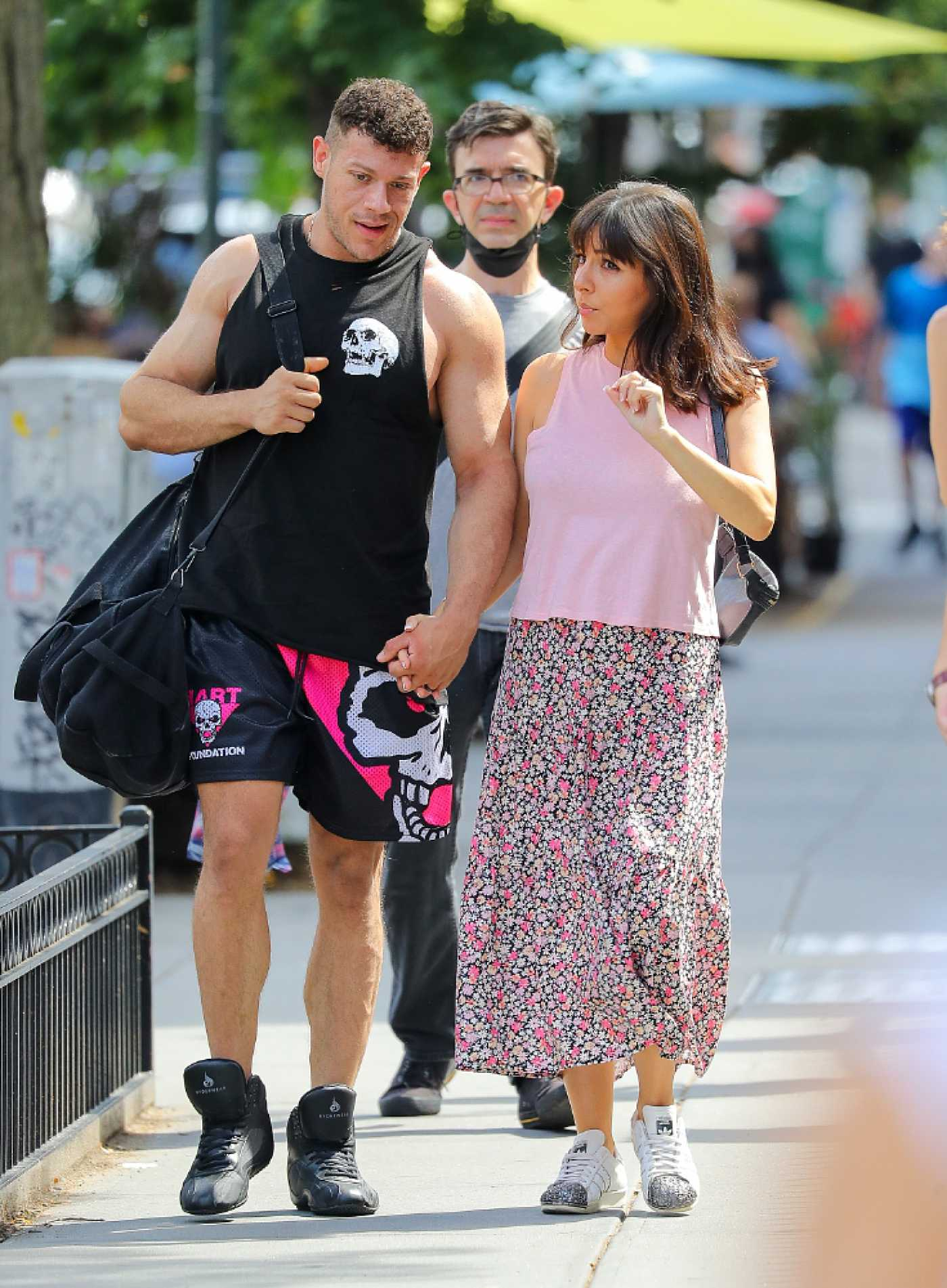 Roxanne Pallett in a Pink Top Was Seen Out with Jason Carrion in Manhattan, NYC 06/10/2021