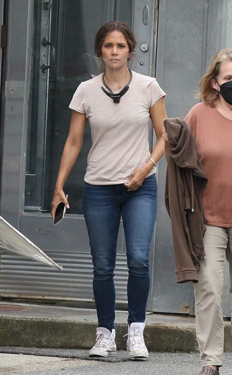 Halle Berry in a Beige Tee