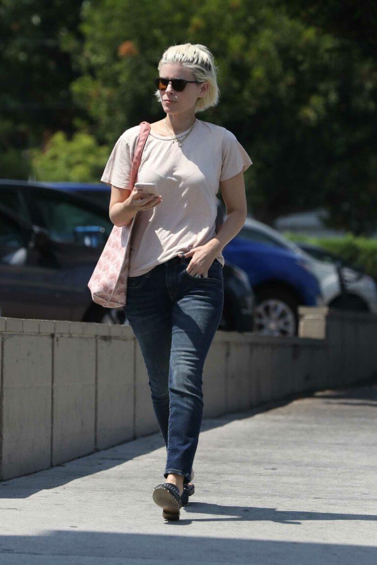 Kate Mara in a Beige Tee