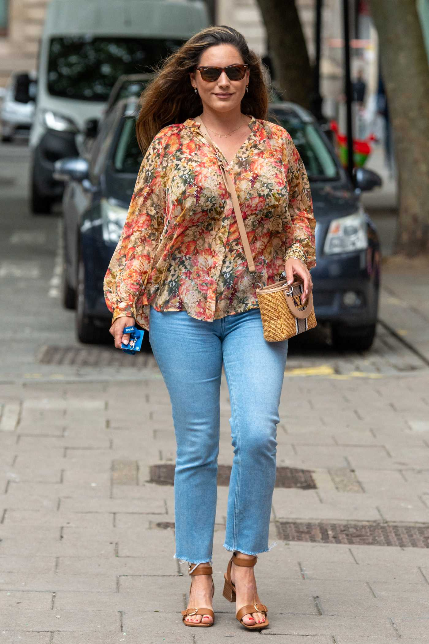 Kelly Brook in a Floral Blouse Arrives at the Global Studios in London 07/12/2021