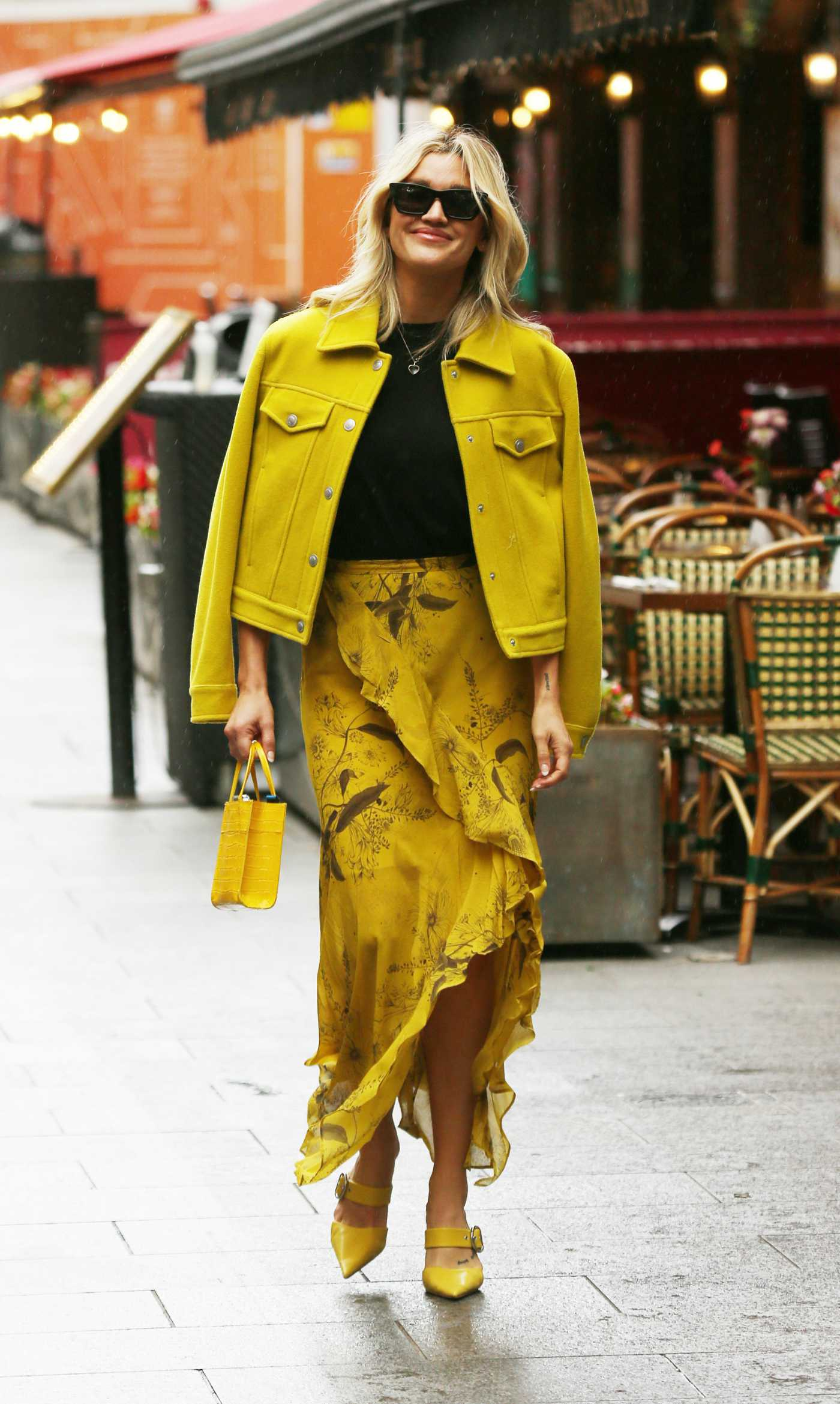Ashley Roberts in a Yellow Outfit Leaves the Global Radio Studios in London 08/06/2021