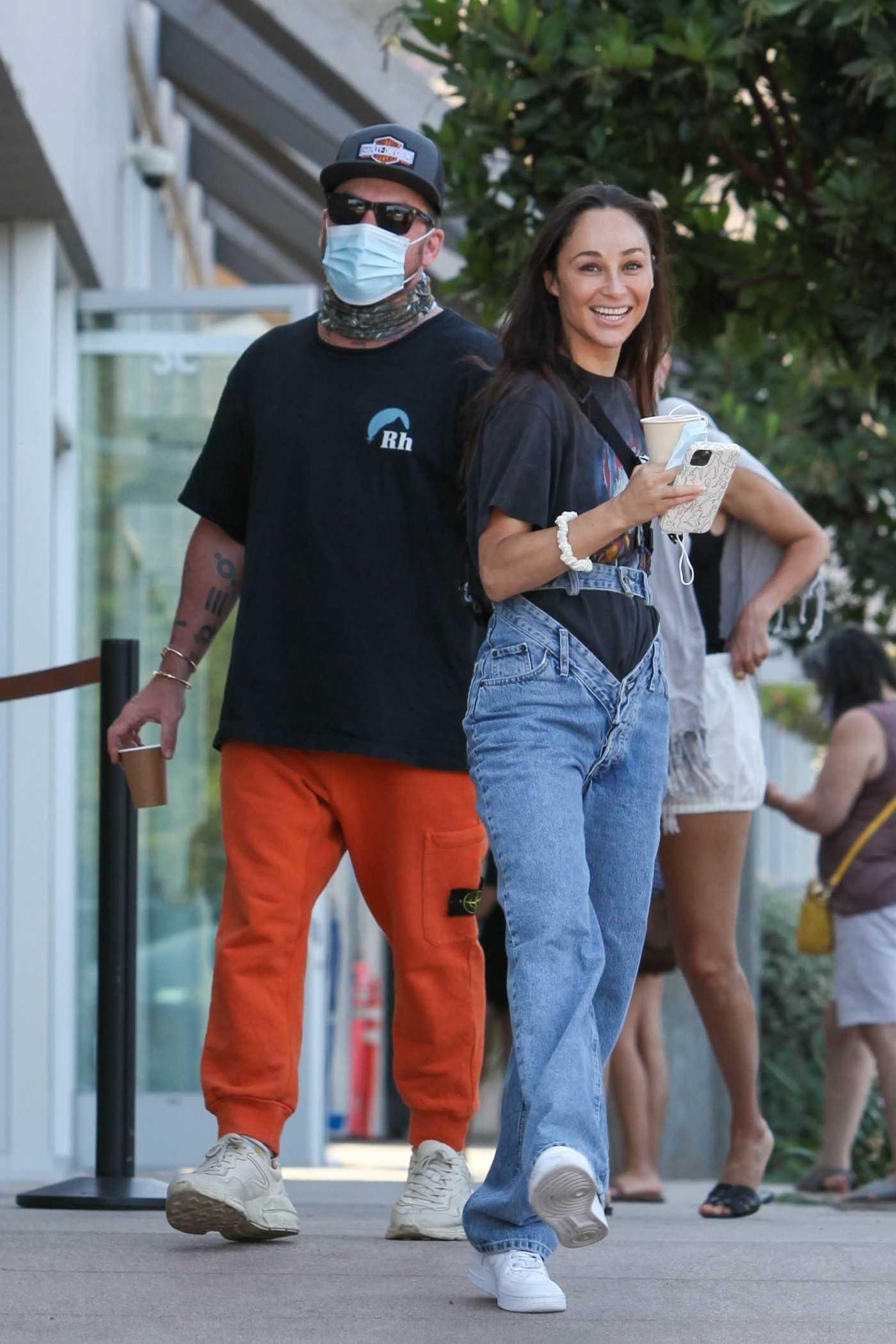 Cara Santana in a Black Tee Celebrating Her Birthday with Boyfriend Shannon Leto in Malibu 08/15/2021