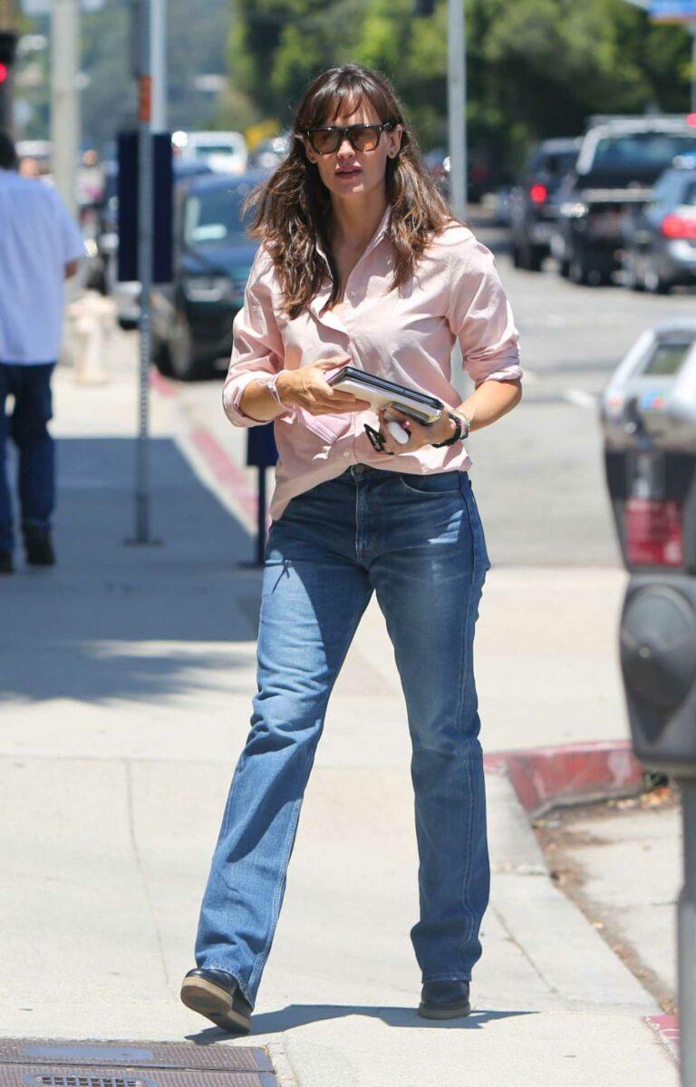 Jennifer Garner in a Pink Shirt