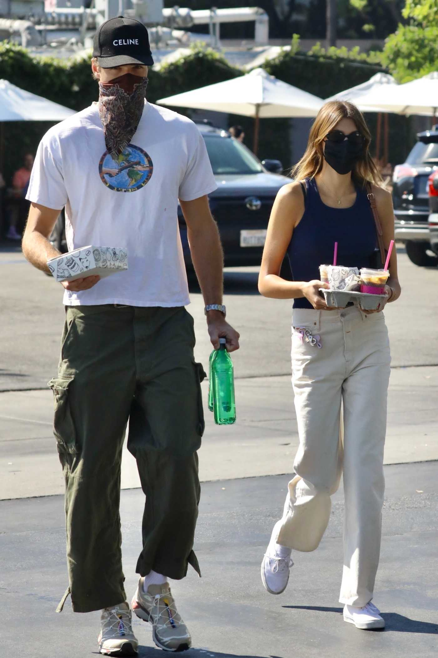 Kaia Gerber in a Beige Pants Was Seen Out with Jacob Elordi in Los Angeles 08/28/2021