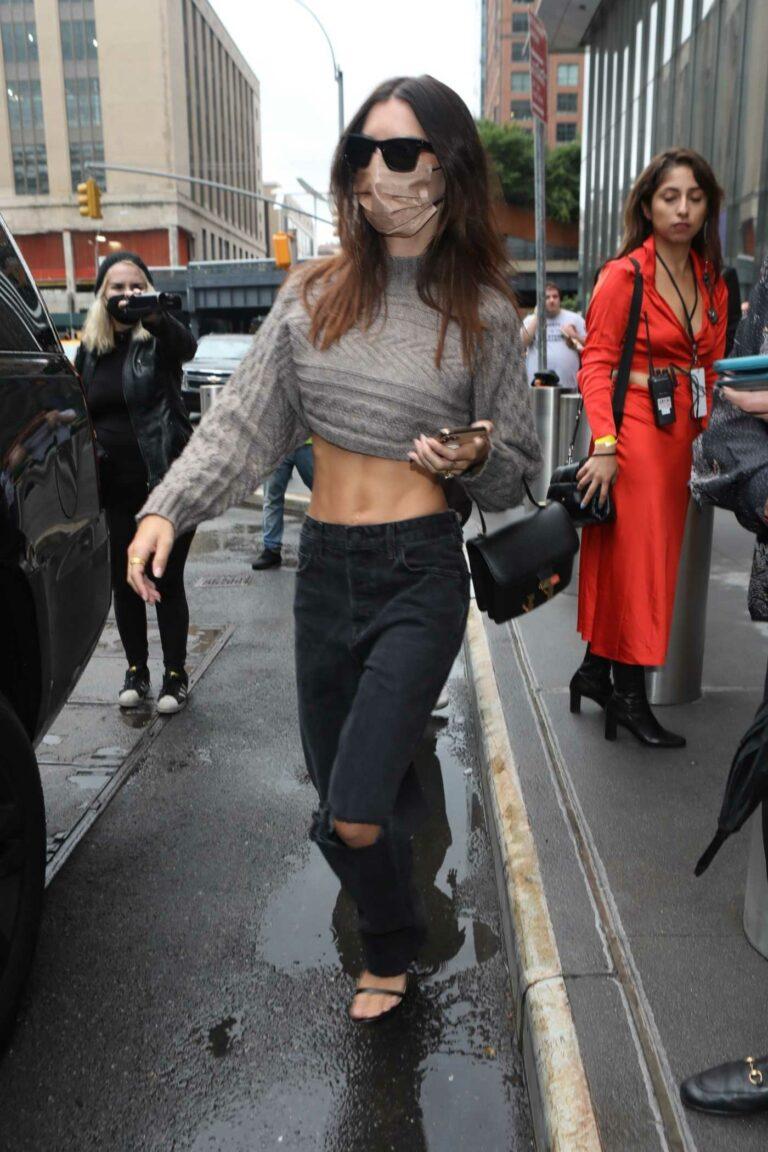 Emily Ratajkowski in a Black Ripped Jeans