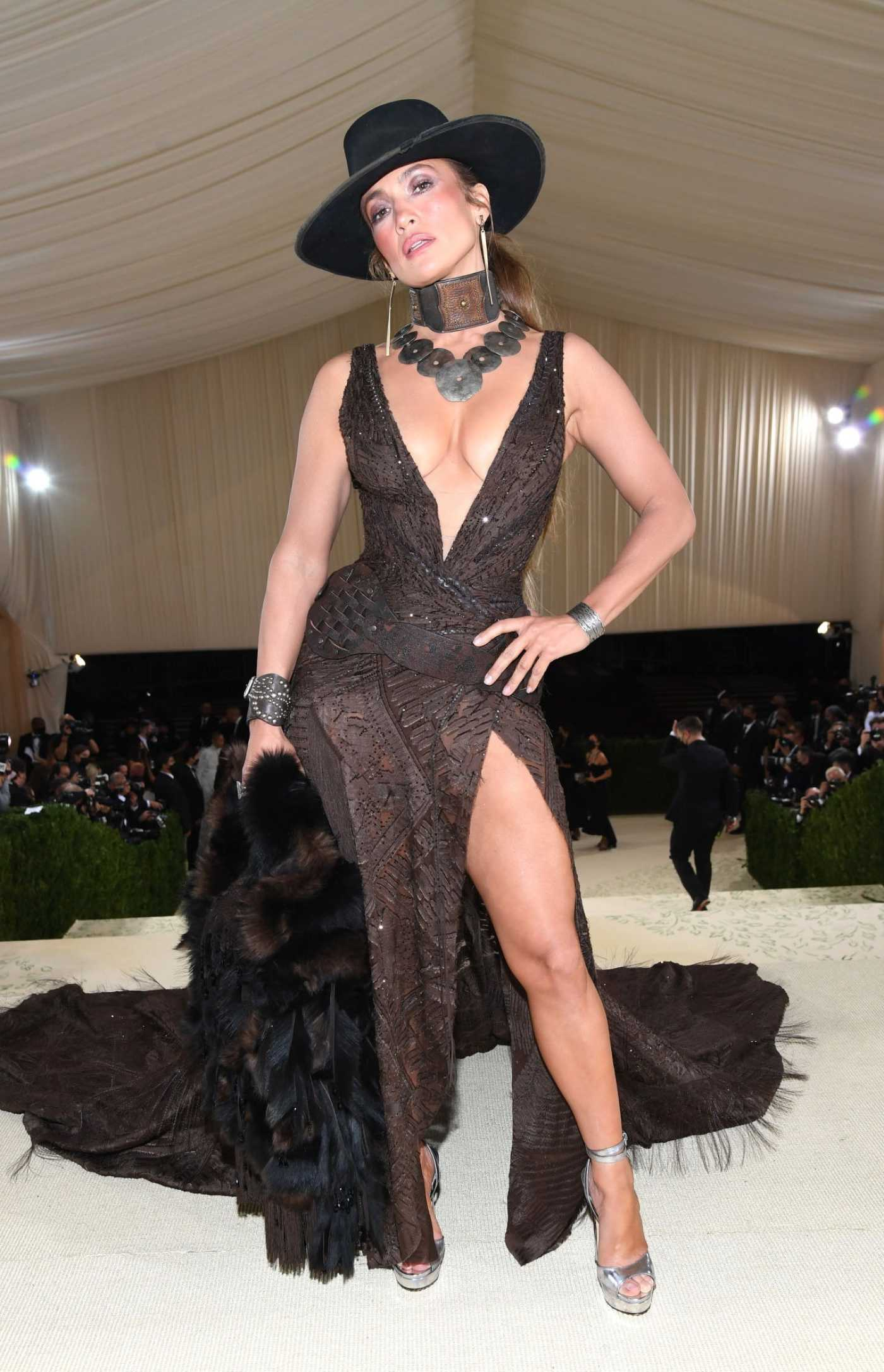 Jennifer Lopez Attends 2021 Met Gala In America: A Lexicon of Fashion at Metropolitan Museum of Art in New York City 09/13/2021