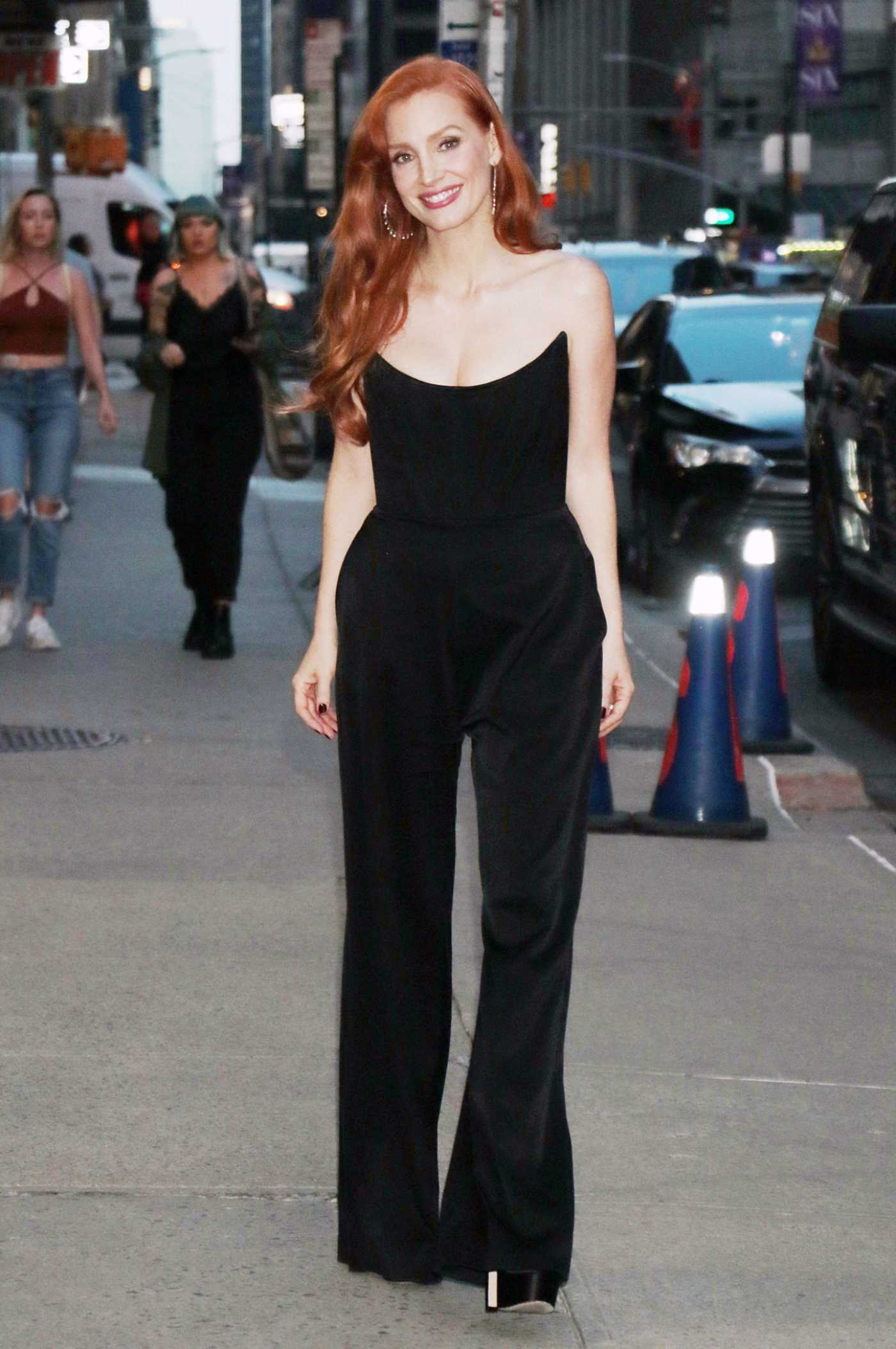 Jessica Chastain in a Black Outfit Was Seen Out in New York City 09/15/2021