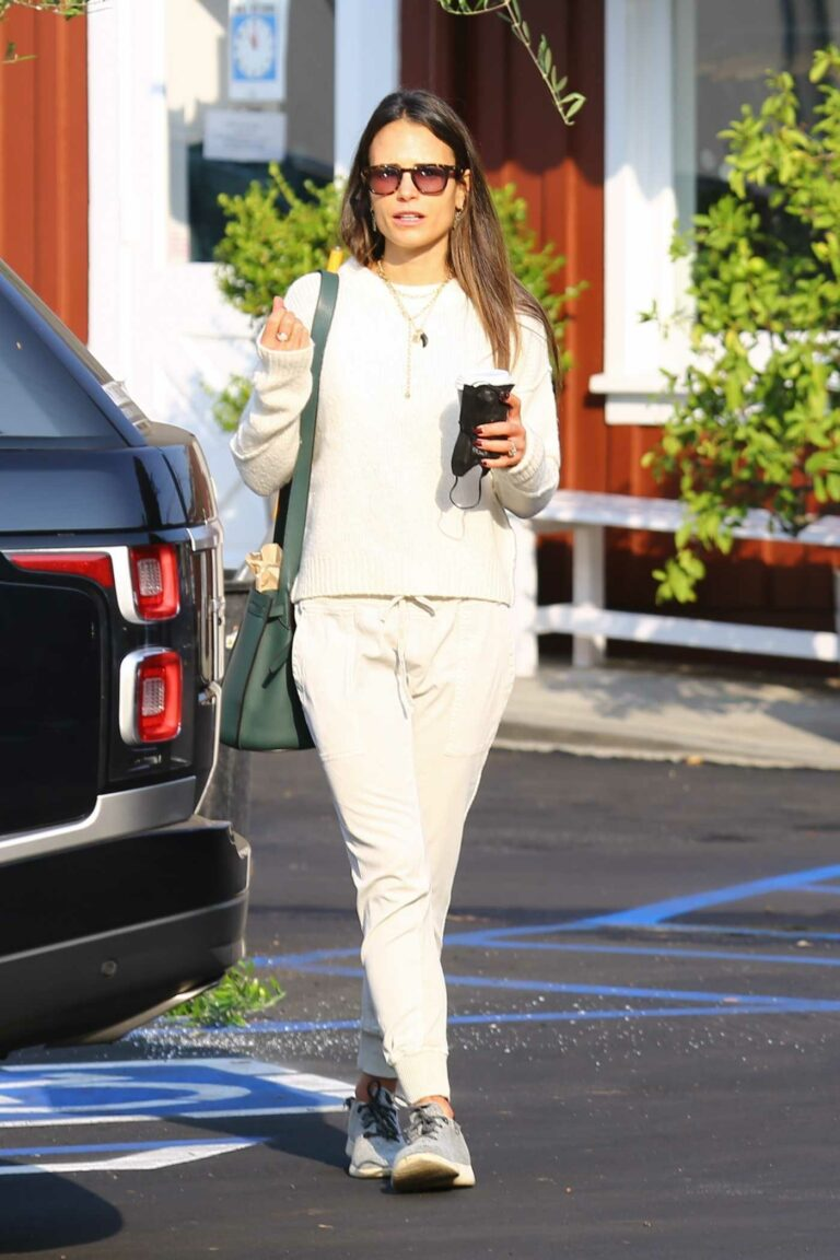 Jordana Brewster in a Beige Outfit