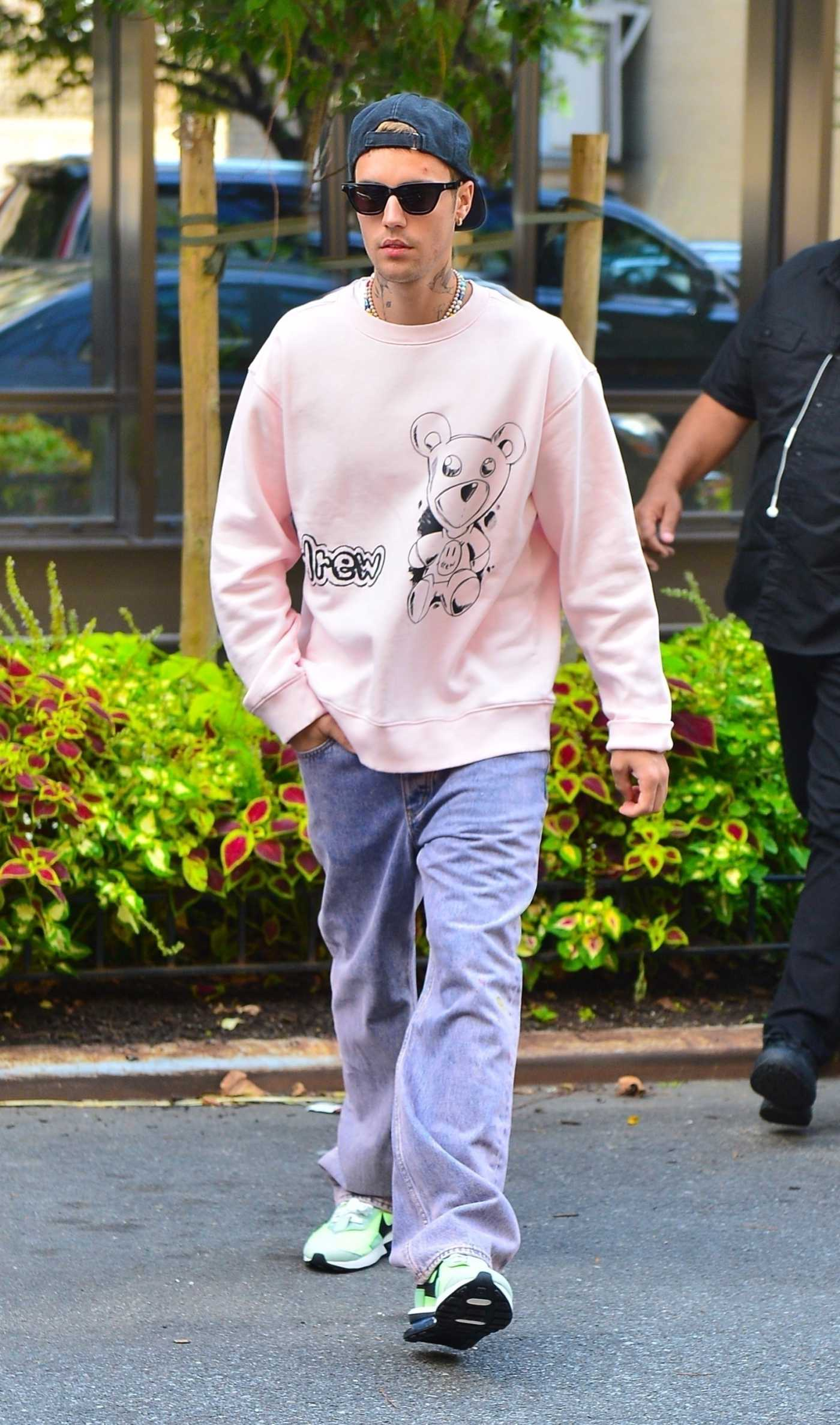 Justin Bieber in a Pink Sweatshirt Was Seen Out in New York 09/22/2021