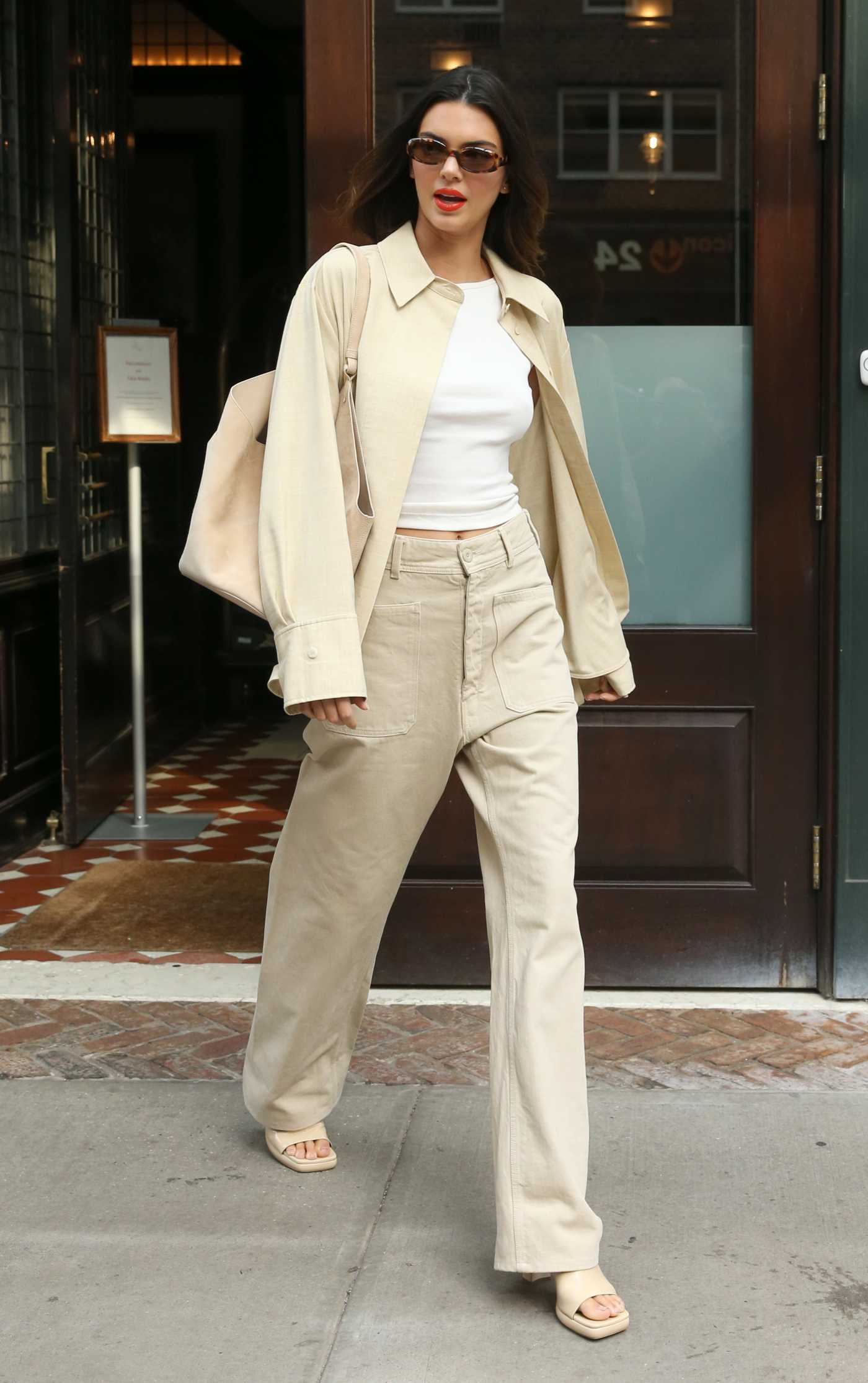 Kendall Jenner in a Beuge Suit Was Seen Out in New York 09/15/2021